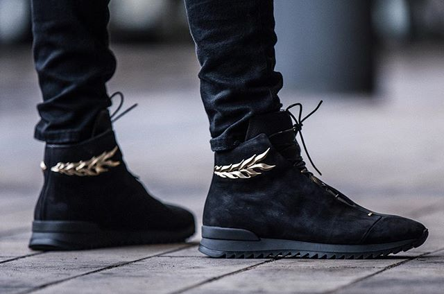 """You're Invited To An Exclusive Pre-Launch Of The First Uomo D'oro Shoe.  Become part of the Founders Series to get access to limited time pre-launch pricing with access code """"truechampion"""" link in bio!"""
