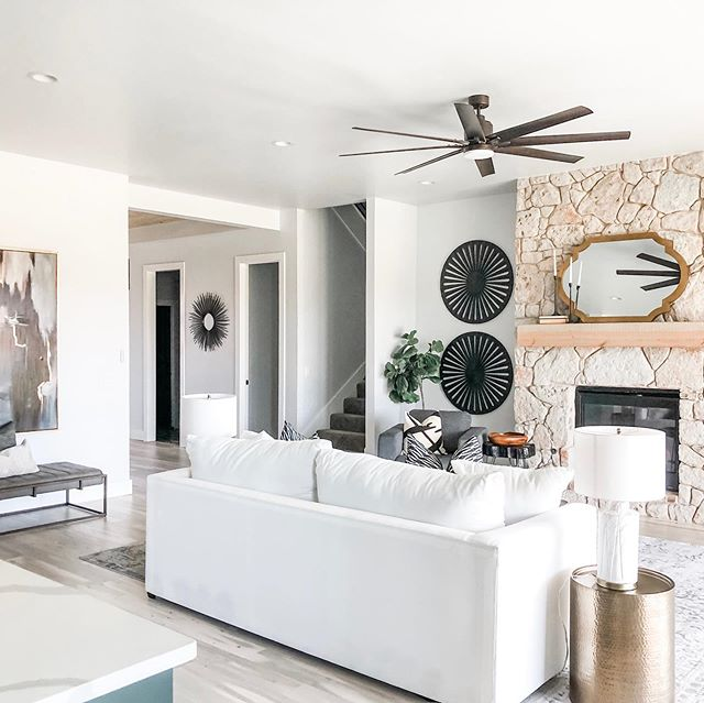 Absolutely loving this house!  Light and airy but loads of warmth! #bridgewayhomesokc  #newhomeconstruction #newhome #homebuilder #newhomedesign