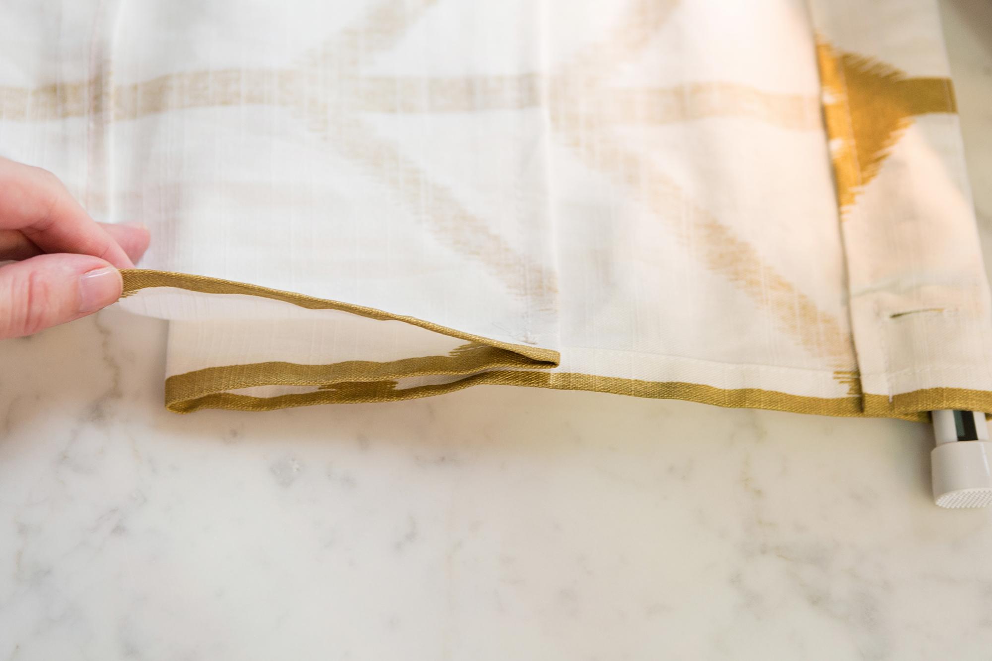 #OneRoomChallenge, Week Three: Faux Roman Blind DIY | Design Confetti