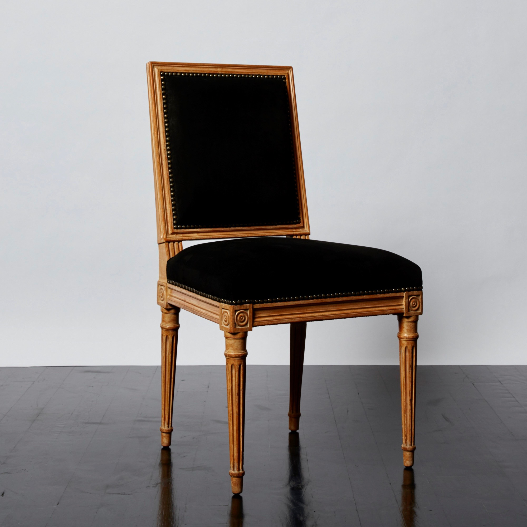 antony_todd_chair_11.jpg