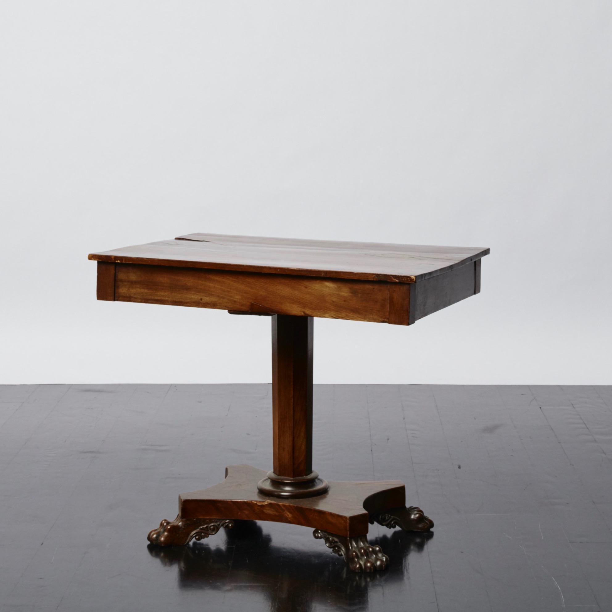 antony_todd_table_16.jpg