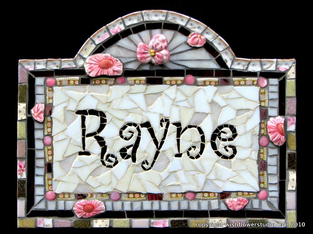 """Rayne"" – Custom name plaque"