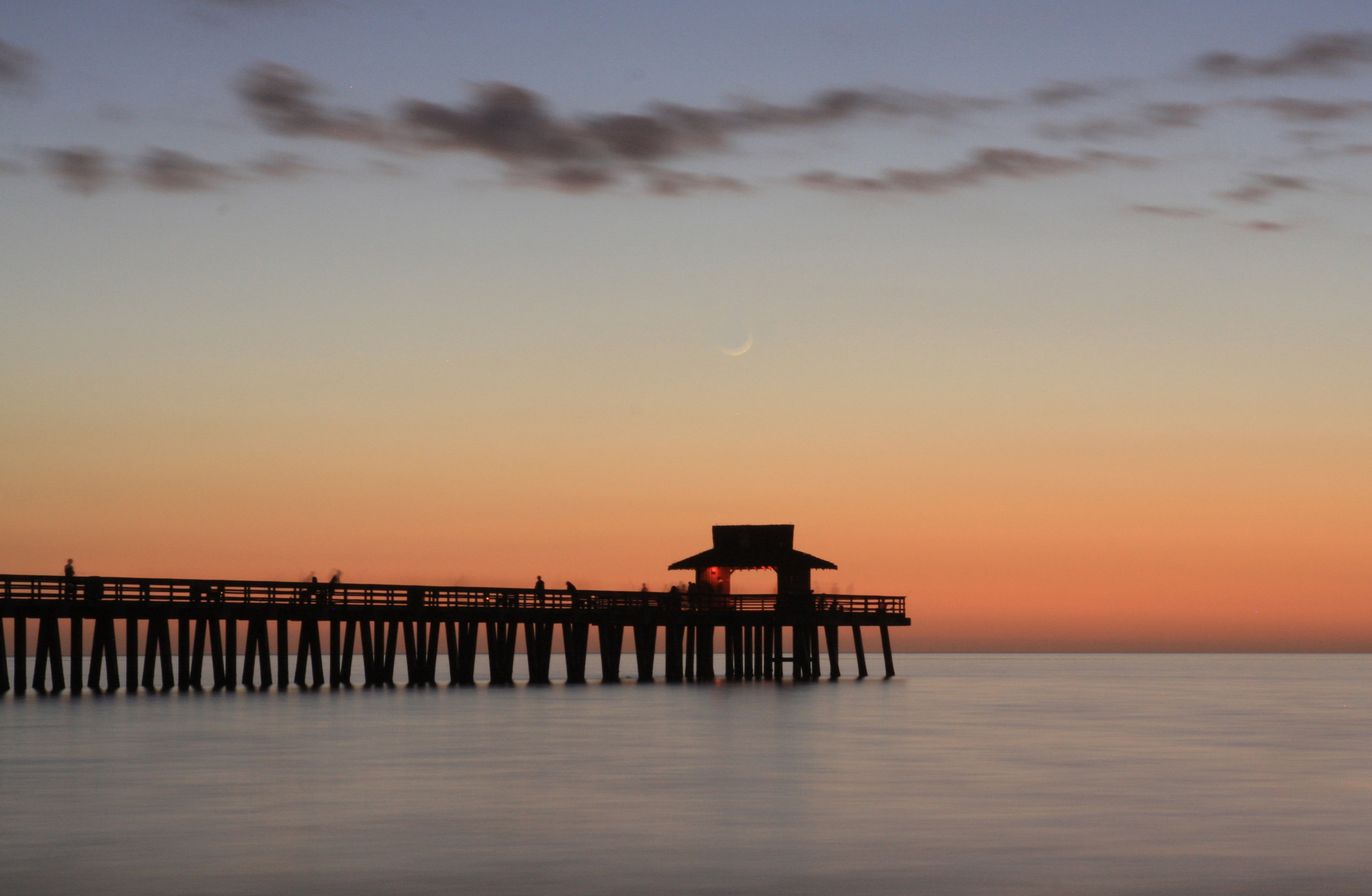 43 Naples Pier & crescent Moon_1092 fix 2 straight.jpg