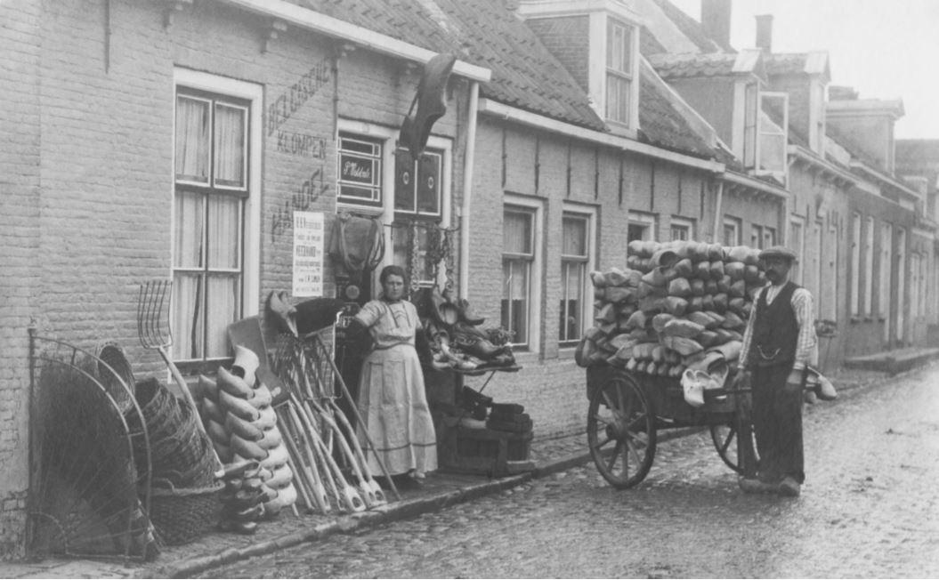 Zo begon het: de eerste klompenwinkel (1904)
