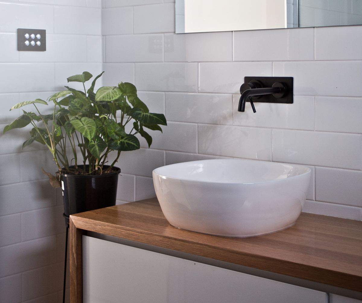 bathroom_041A2905_WEBSITE.jpg