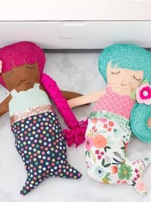 Best Cricut Projects-Mermaid doll- sweet red poppy.JPG