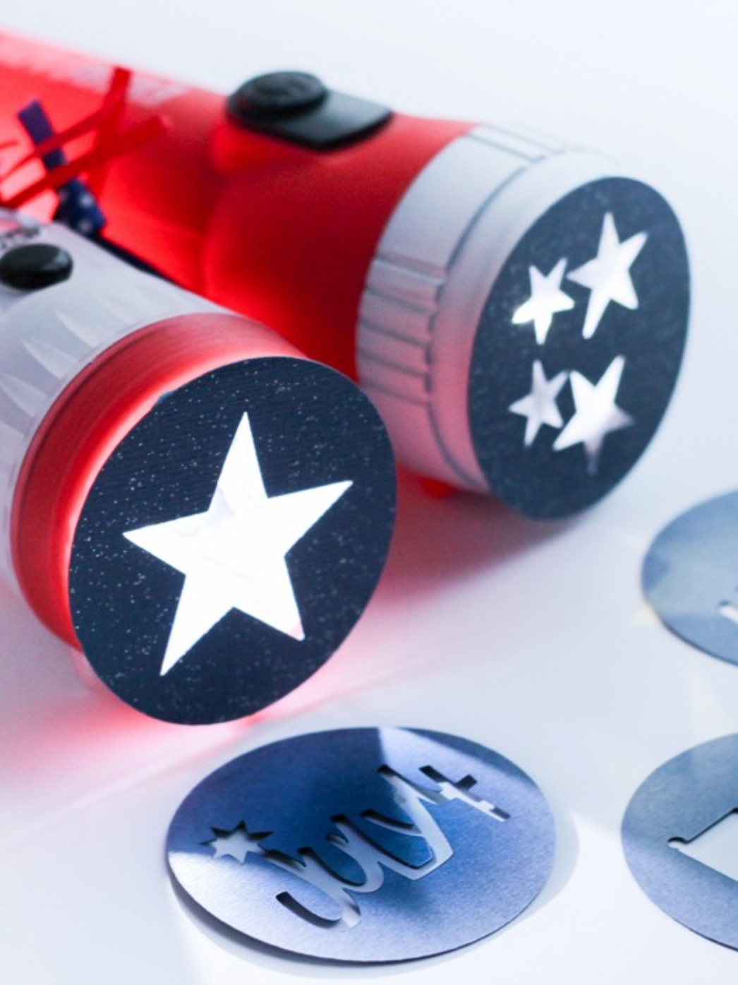 Patriotic Cricut Projects for Fourth of July: Flashlights