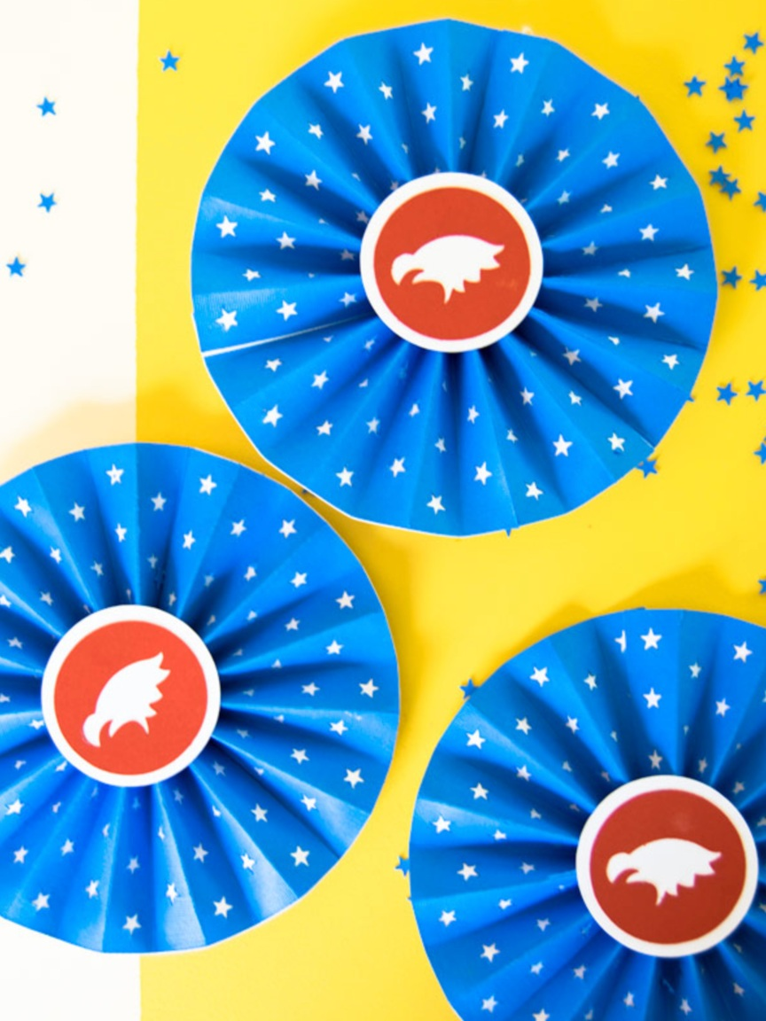 Patriotic Cricut Projects for Fourth of July: Paper rosettes