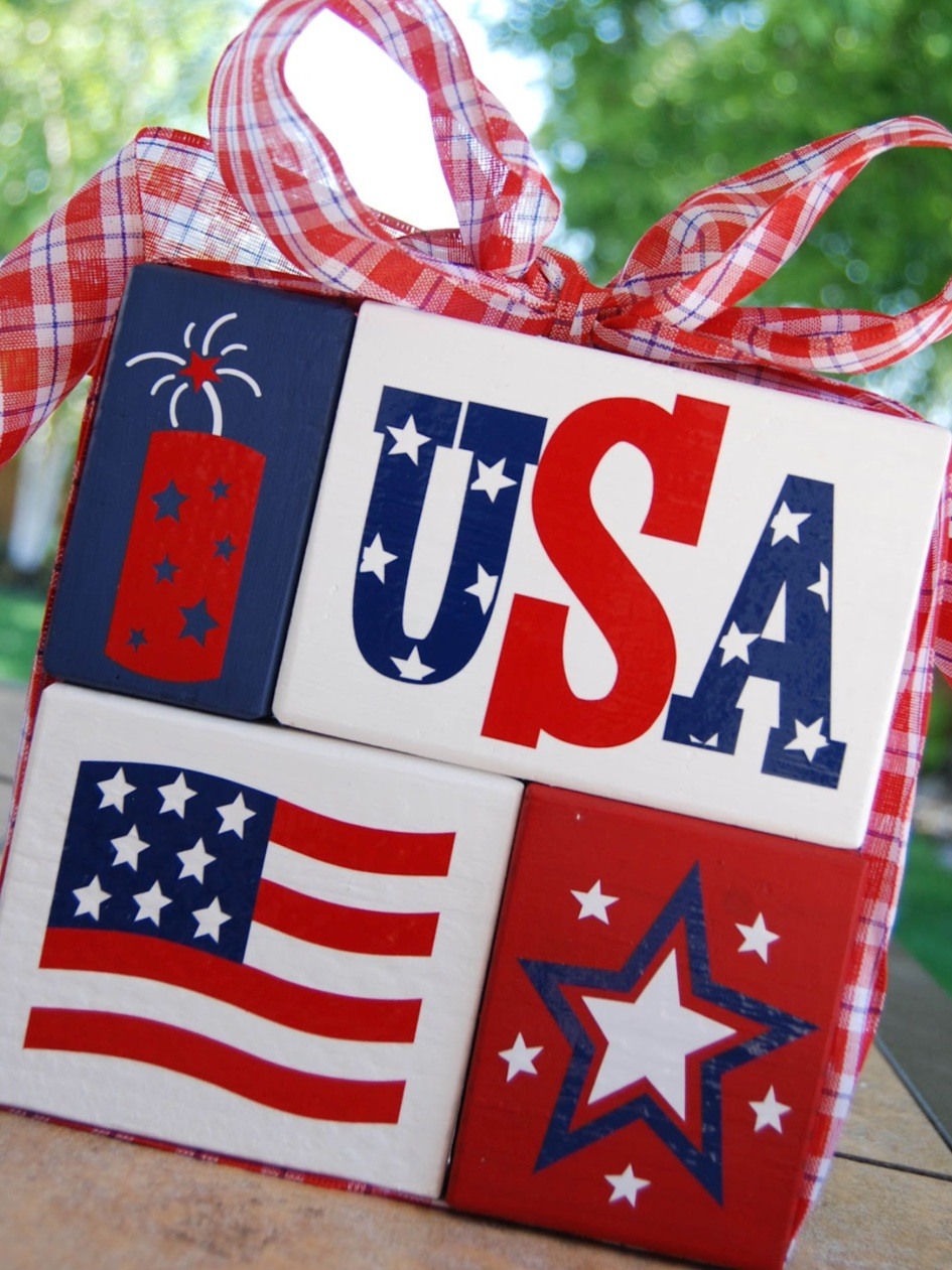 Patriotic Cricut Projects for Fourth of July: Wooden Blocks