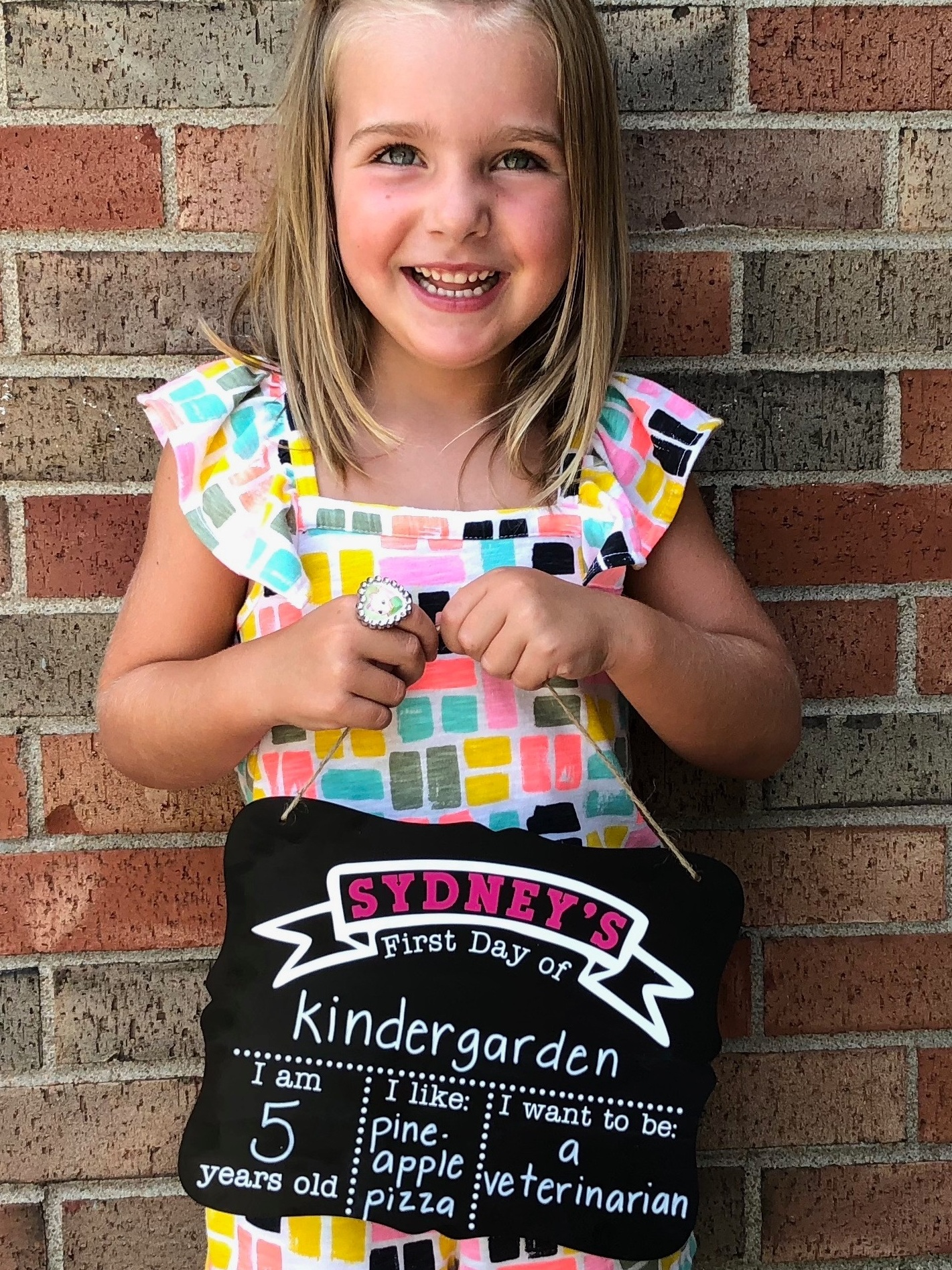 Back to School Cricut Project: First Day of School Chalkboard by Creative Cutting Classroom