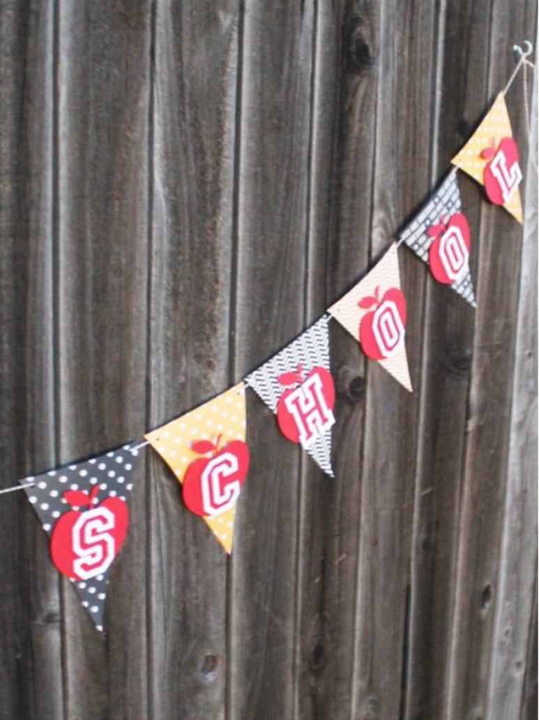 Back to School Cricut Project: school banner by Laura's Crafty Life