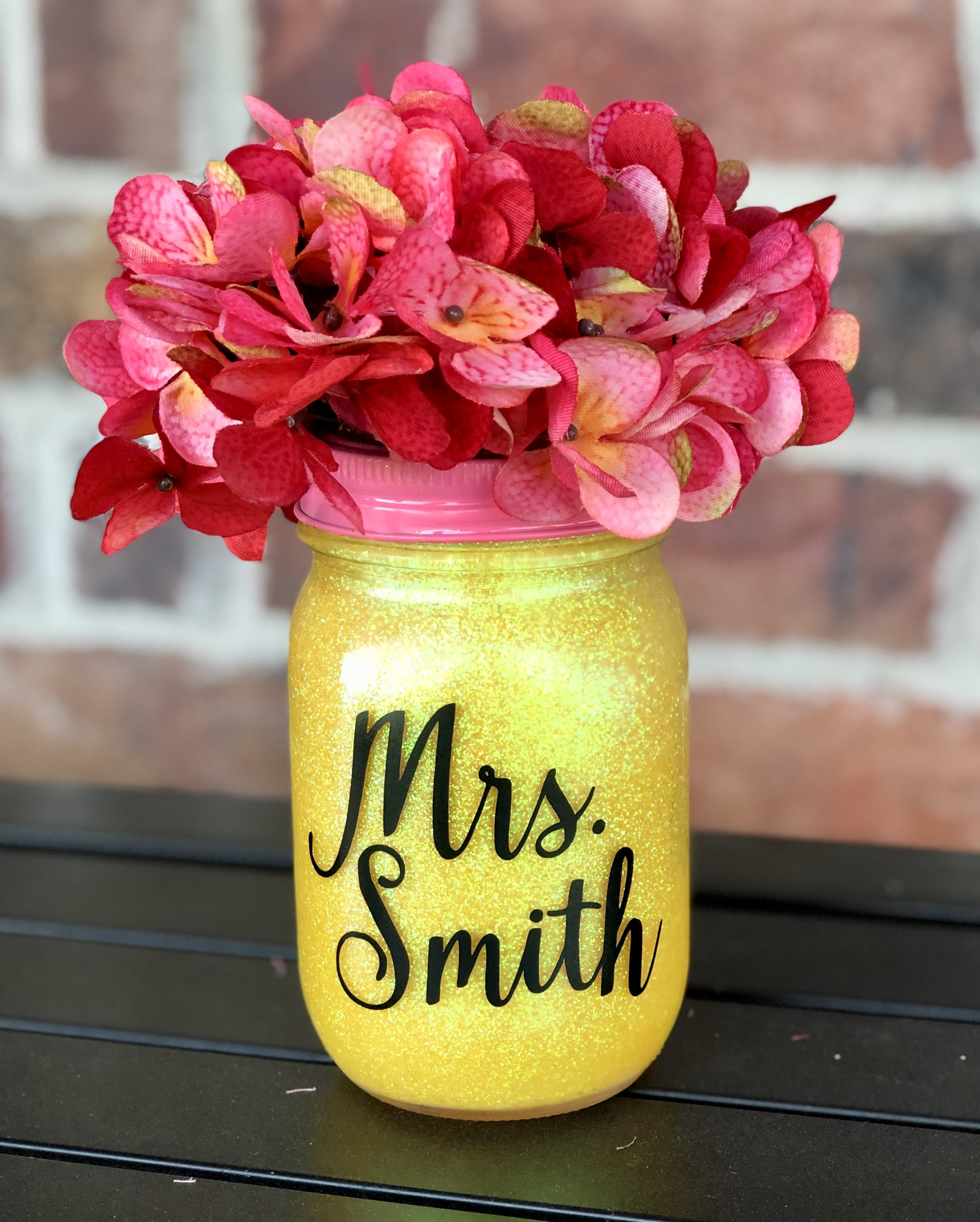 Back to School Cricut Project: Glittered Pencil Mason Jar by Creative Cutting Classroom