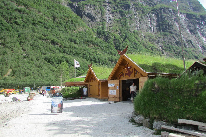 Viking_Valley,_Gudvangen.jpg