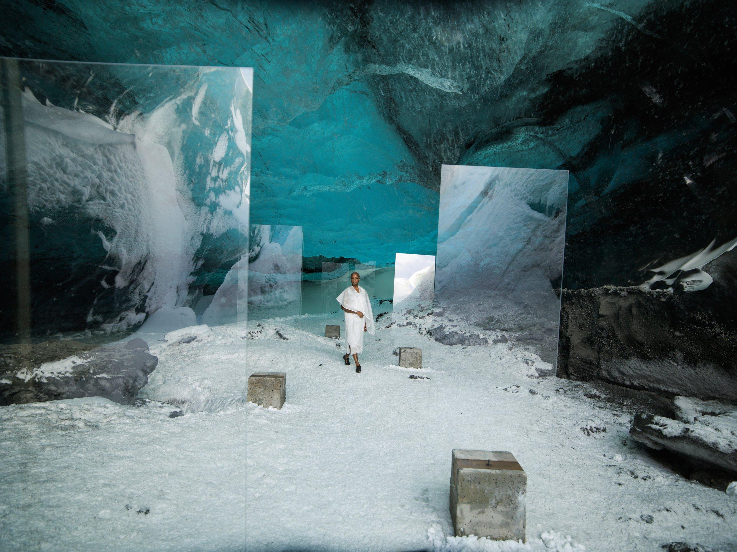 Lot 21: Isaac Julien - En Passage (Stones against Diamonds)