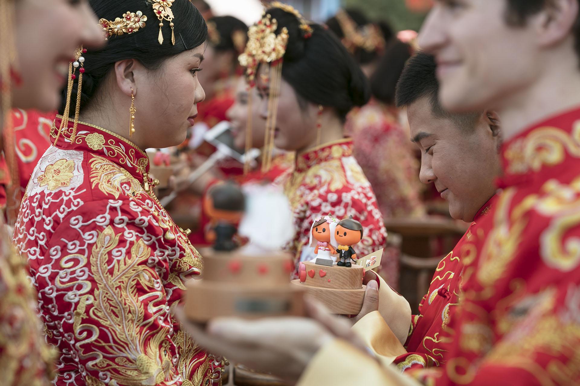 Reportage Massenhochzeit in China