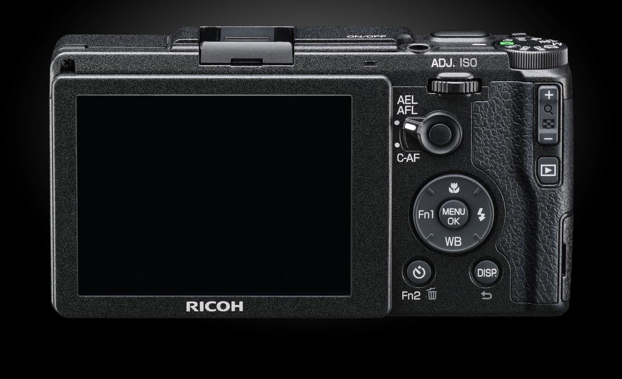 Ricoh-GRII-Screen-Cameraplex.jpeg