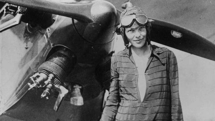 amazing portraits, Amelia-Earhart Cameraplex
