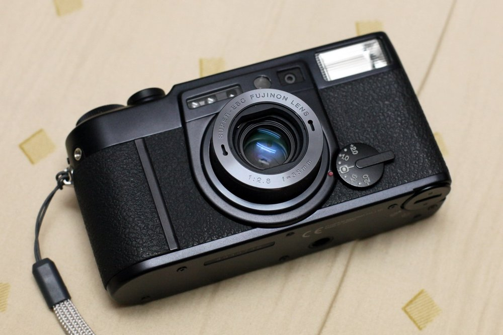 10 Alternatives to the Contax T2 Film Camera - $100 to $1,000