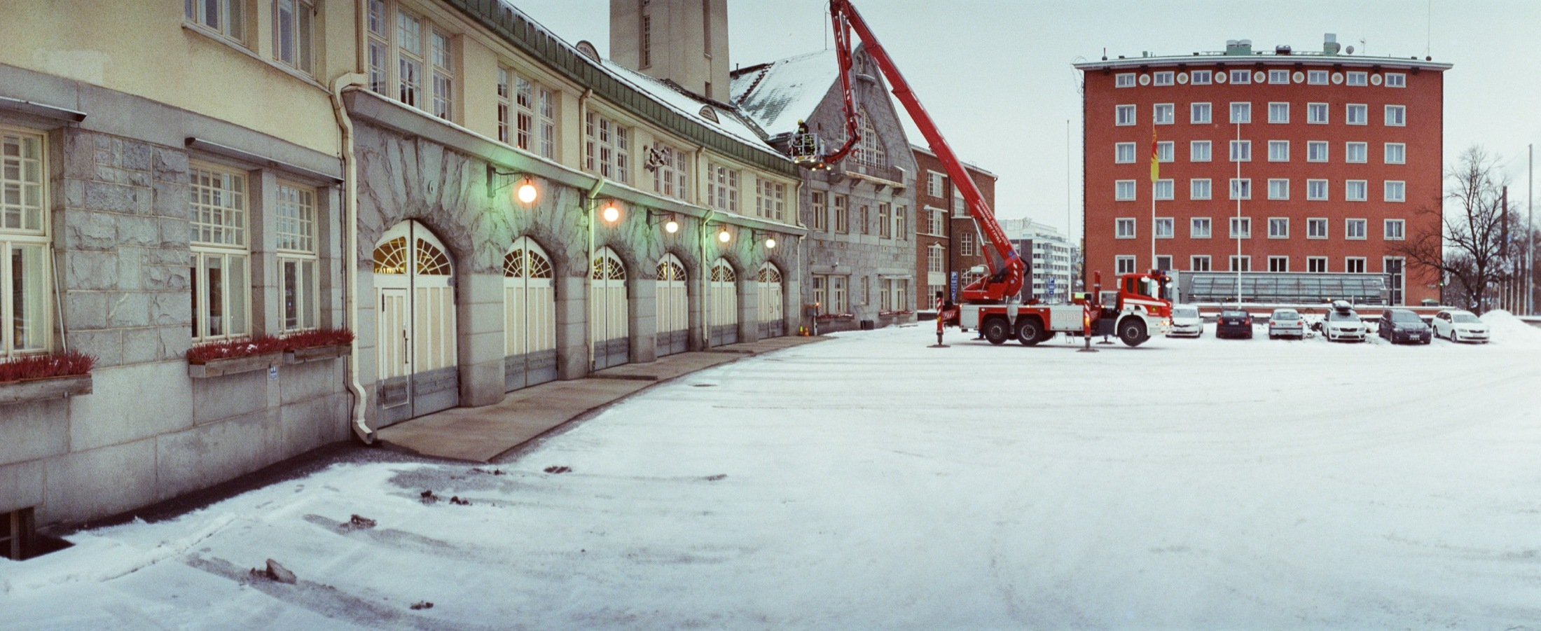 cameraville_horizon_202_panoramic_35mm_tampere_cineStill800_12.jpg