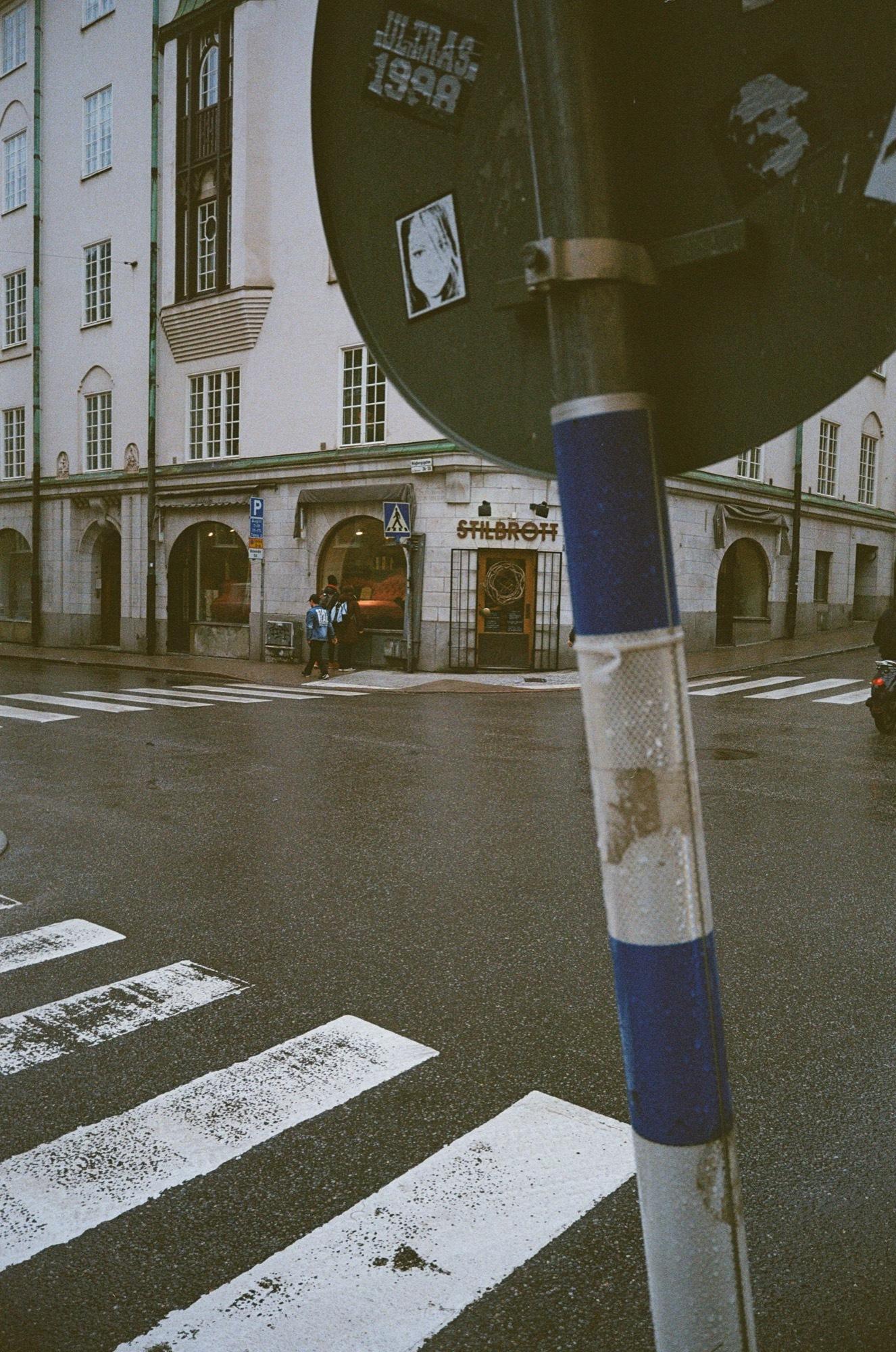 cameraville_leica_mda_stockholm_avenon_28mm_kodak_gold_400_28.jpg