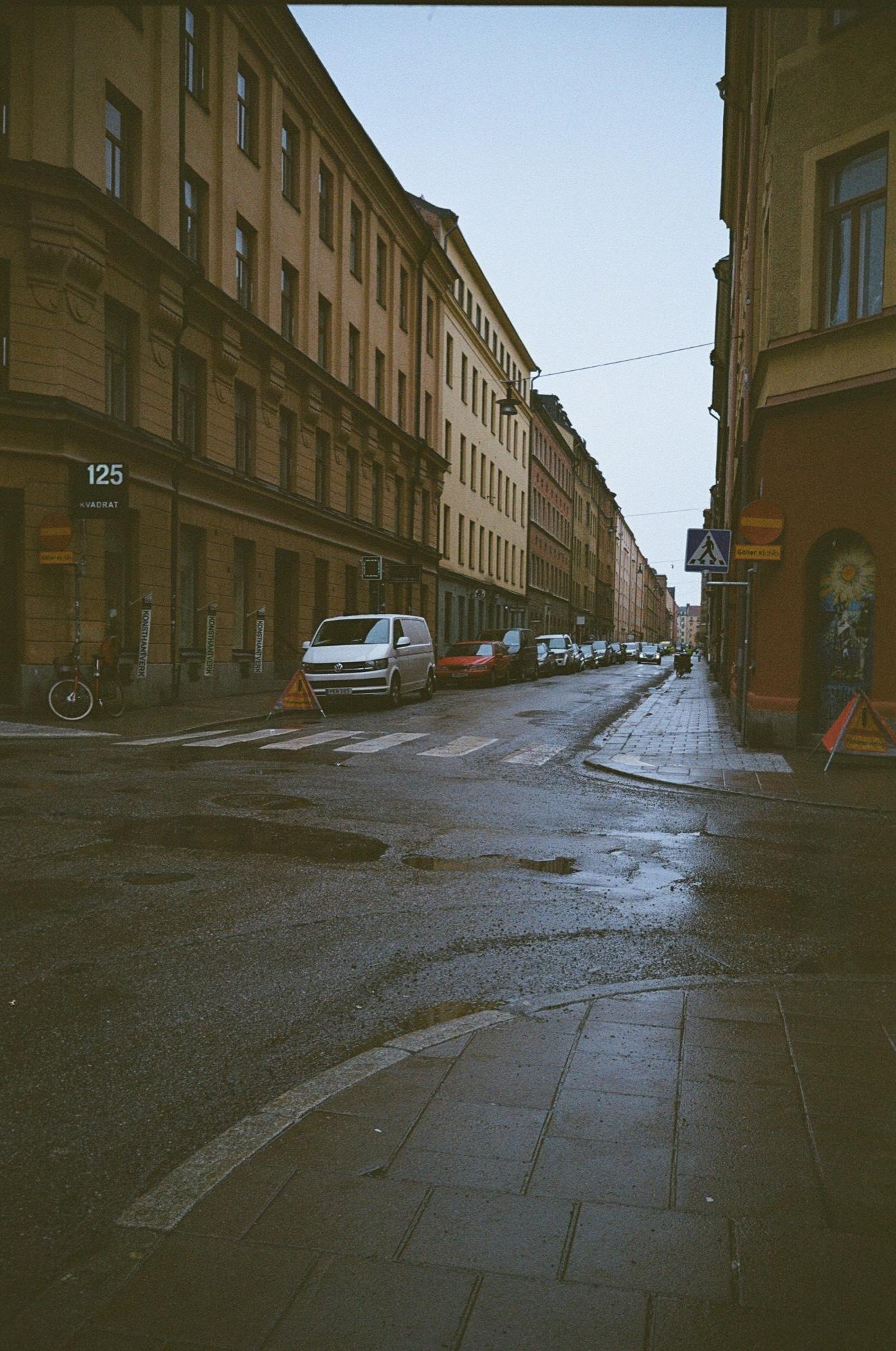cameraville_leica_mda_stockholm_avenon_28mm_kodak_gold_400_23.jpg