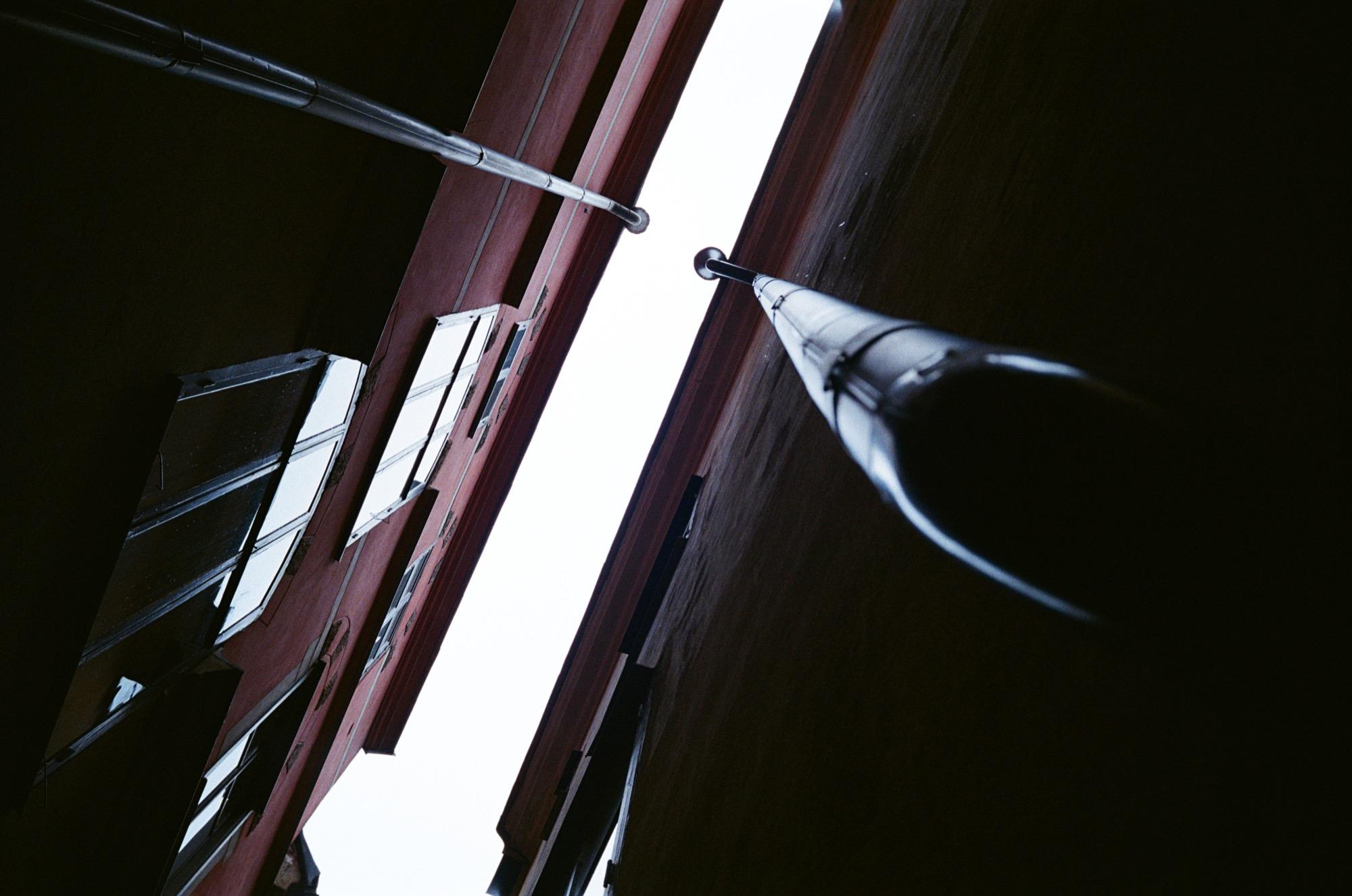cameraville_leica_mda_stockholm_avenon_28mm_kodak_gold_400_18.jpg