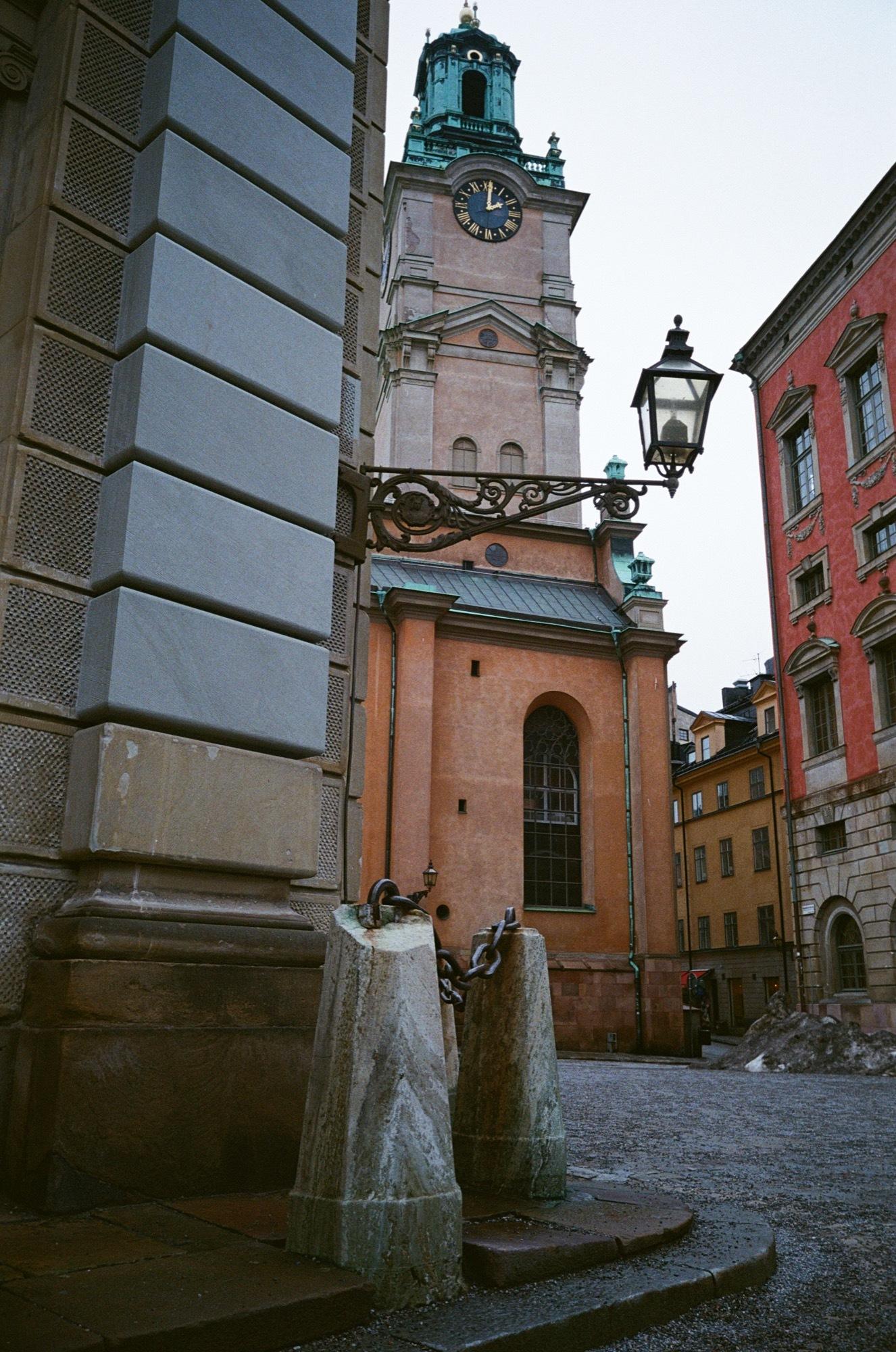 cameraville_leica_mda_stockholm_avenon_28mm_kodak_gold_400_15.jpg
