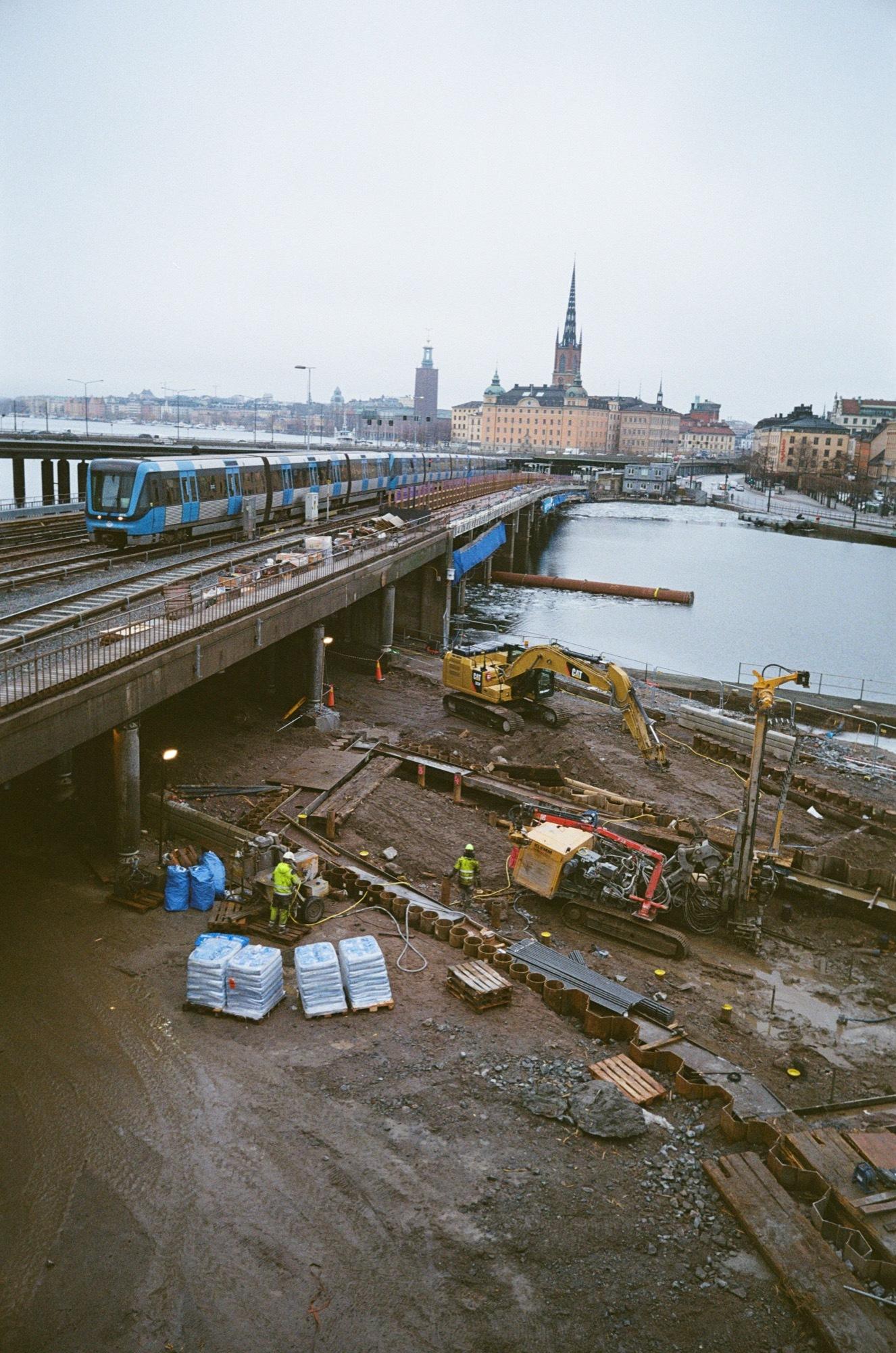 cameraville_leica_mda_stockholm_avenon_28mm_kodak_gold_400_21.jpg