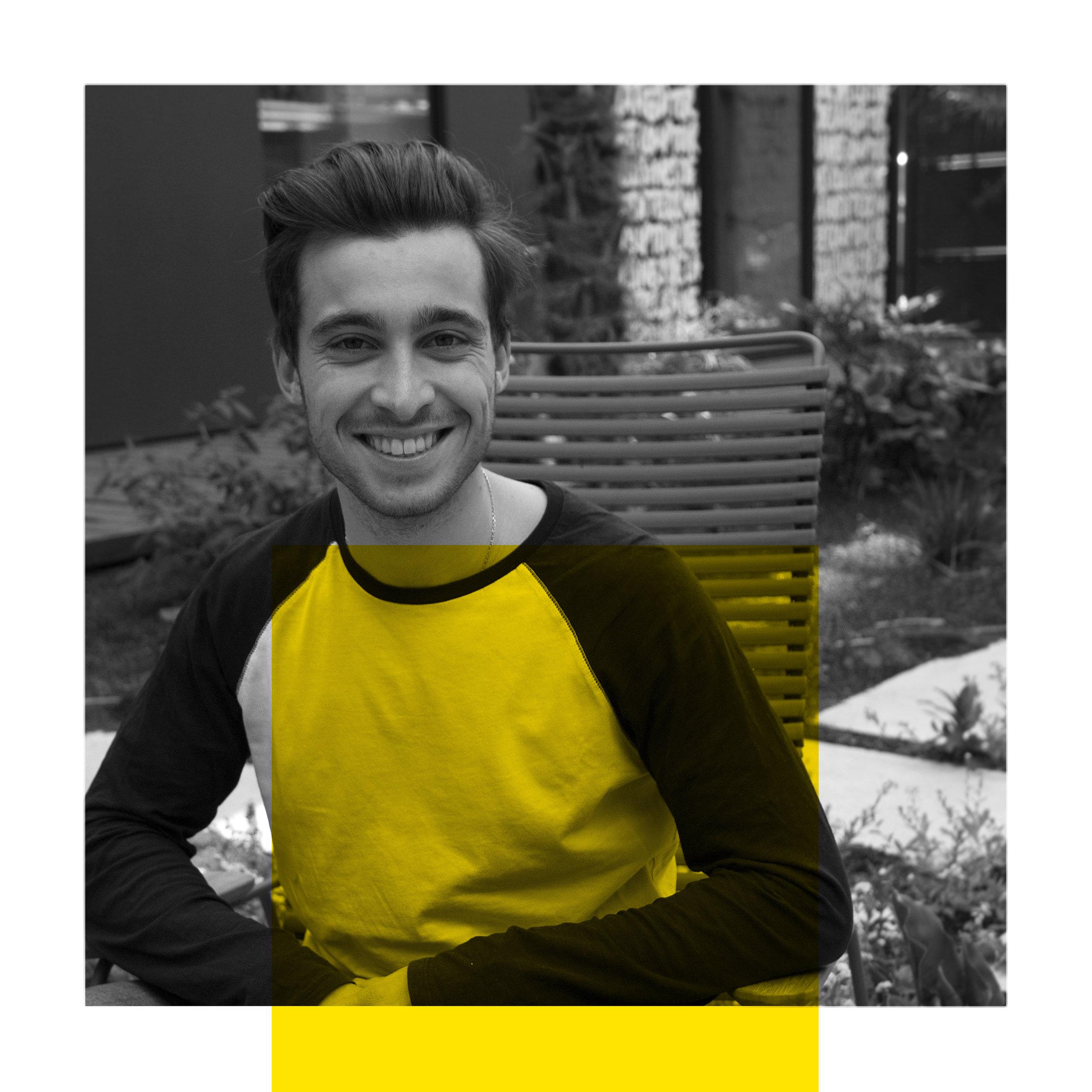 Sebastien Baert - Le rigolo  Sébastien est le benjamin du groupe : après deux ans de licence de design à l'ENSAAMA – Olivier de Serres, il profite de son année de césure pour aborder le design d'innovation sociale de proximité à Design Act ! Retrouvez-le l'année prochaine, de retour sur les bancs à Strate, en design d'espaces.