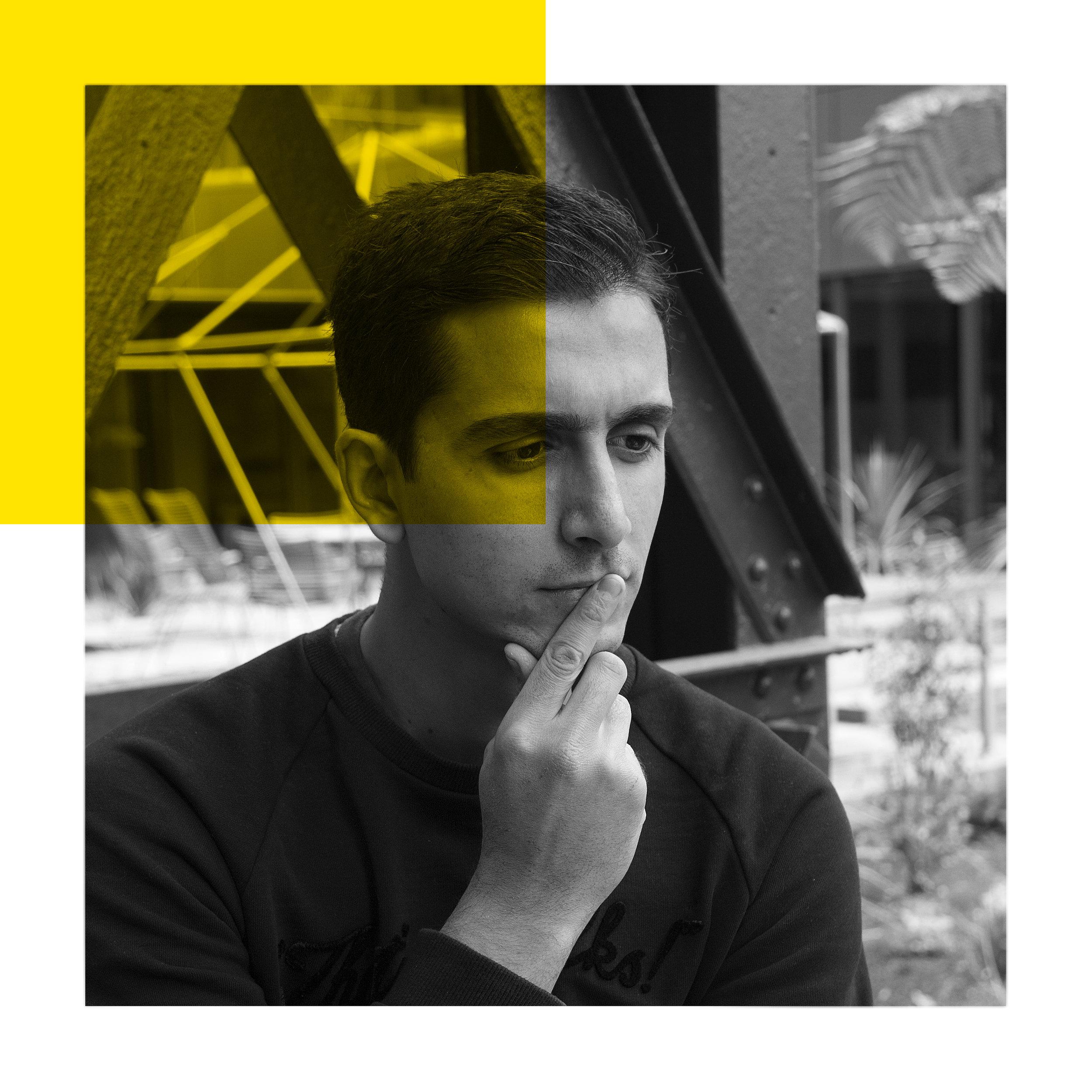 Mohamed Bouaiss - Le curieux  Récemment diplômé en communication et événementiel, concepteur et rédacteur ces 3 dernières années.