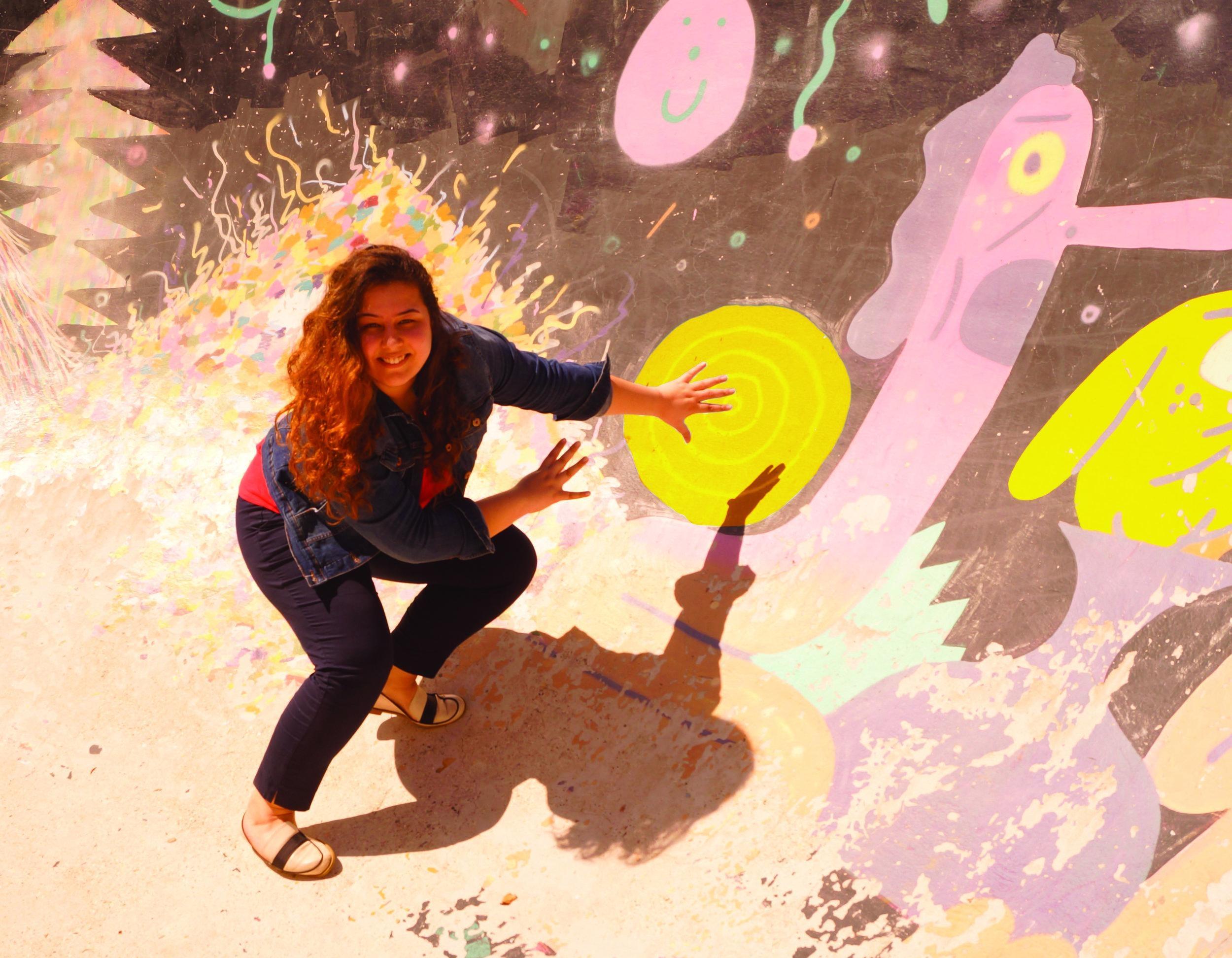 """Jihane Jellal  Née au pays du soleil, du thé à la menthe et des """"youyous"""", j'ai décidé en 2012 de traverser la méditerranée direction le pays du vin, du fromage et d'Edith Piaf pour y faire un bout de chemin. Diplôme d'école de commerce en poche, je quitte la ville rose réputée pour son cassoulet enrichie de superbes expériences, qui m'ont permise entre autre de découvrir mon goût pour l'innovation et pour l'entrepreneuriat. Aujourd'hui, je vois en Design Act le moyen de découvrir un nouveau métier et de retrouver du sens dans ce que j'entreprends en mettant l'humain au centre. Addict au voyage, aux sports d'extérieur et aux sensations fortes, j'aime aussi beaucoup la danse et le chant et j'ai une grande passion pour les langues et la découverte de nouvelles cultures."""
