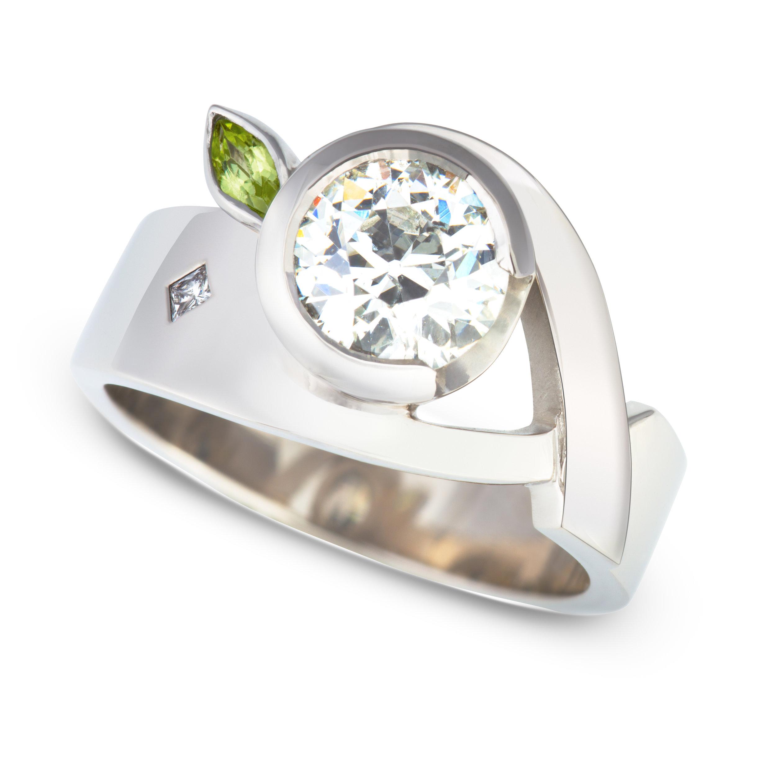 Bespoke palladium, diamond and peridot ring commission