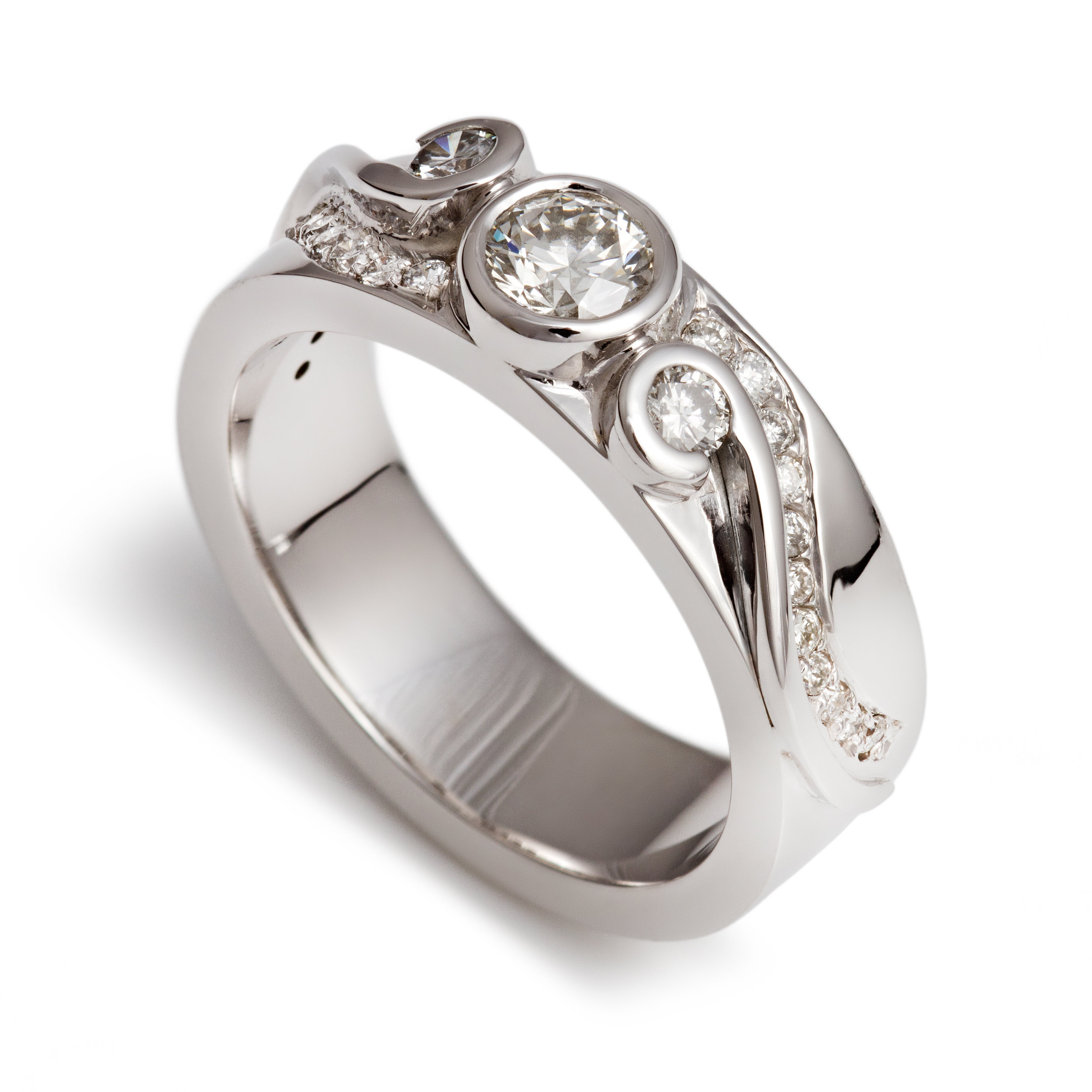Bespoke 18ct white gold and diamond ring commission