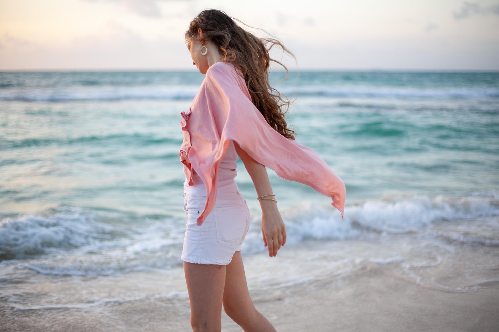 Carolyn Keys  x  Wild Mantle  on the beach.