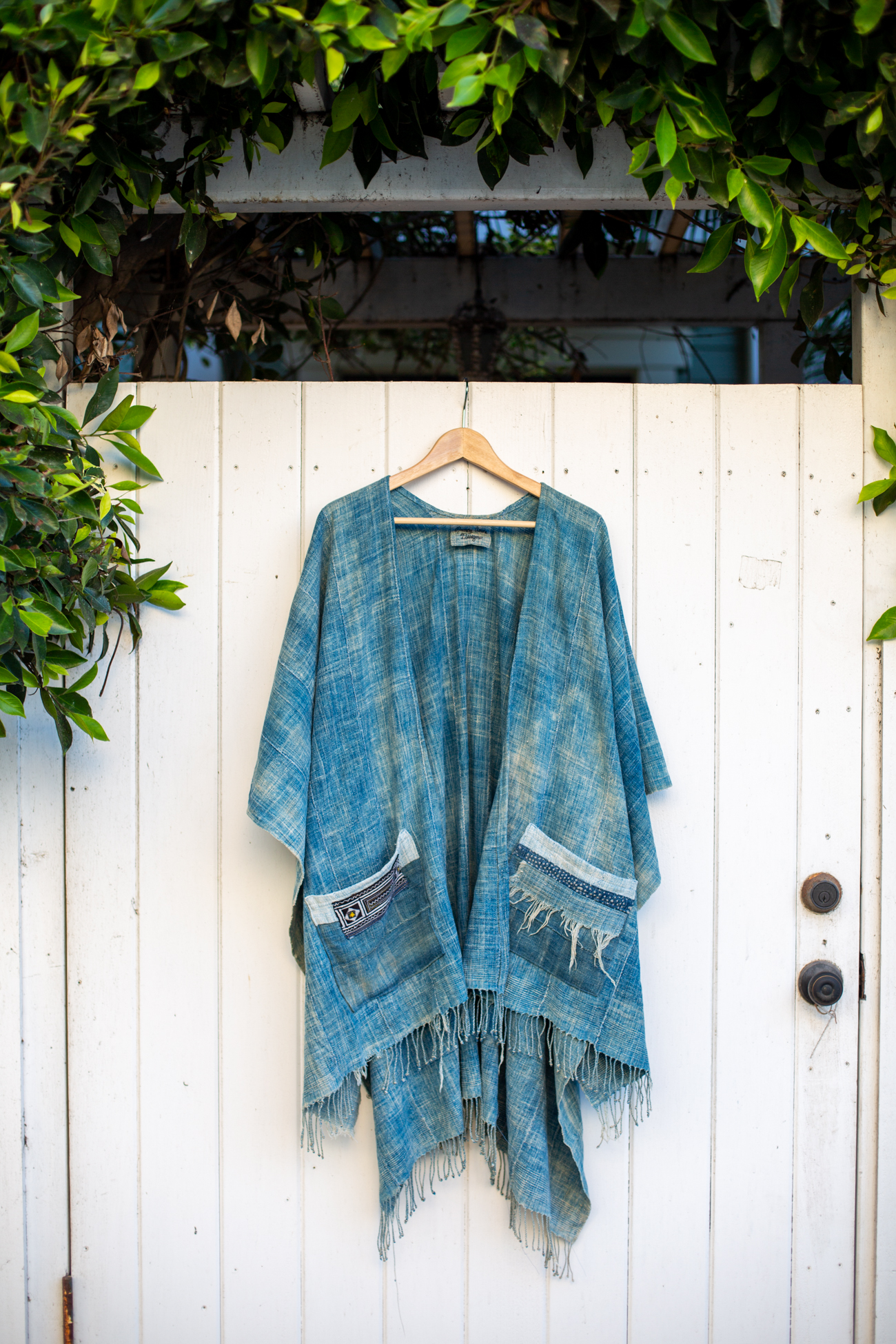 Fig 24. Vintage kimono by  Nancy Anne Designs  staged among the backstreets of Venice, California