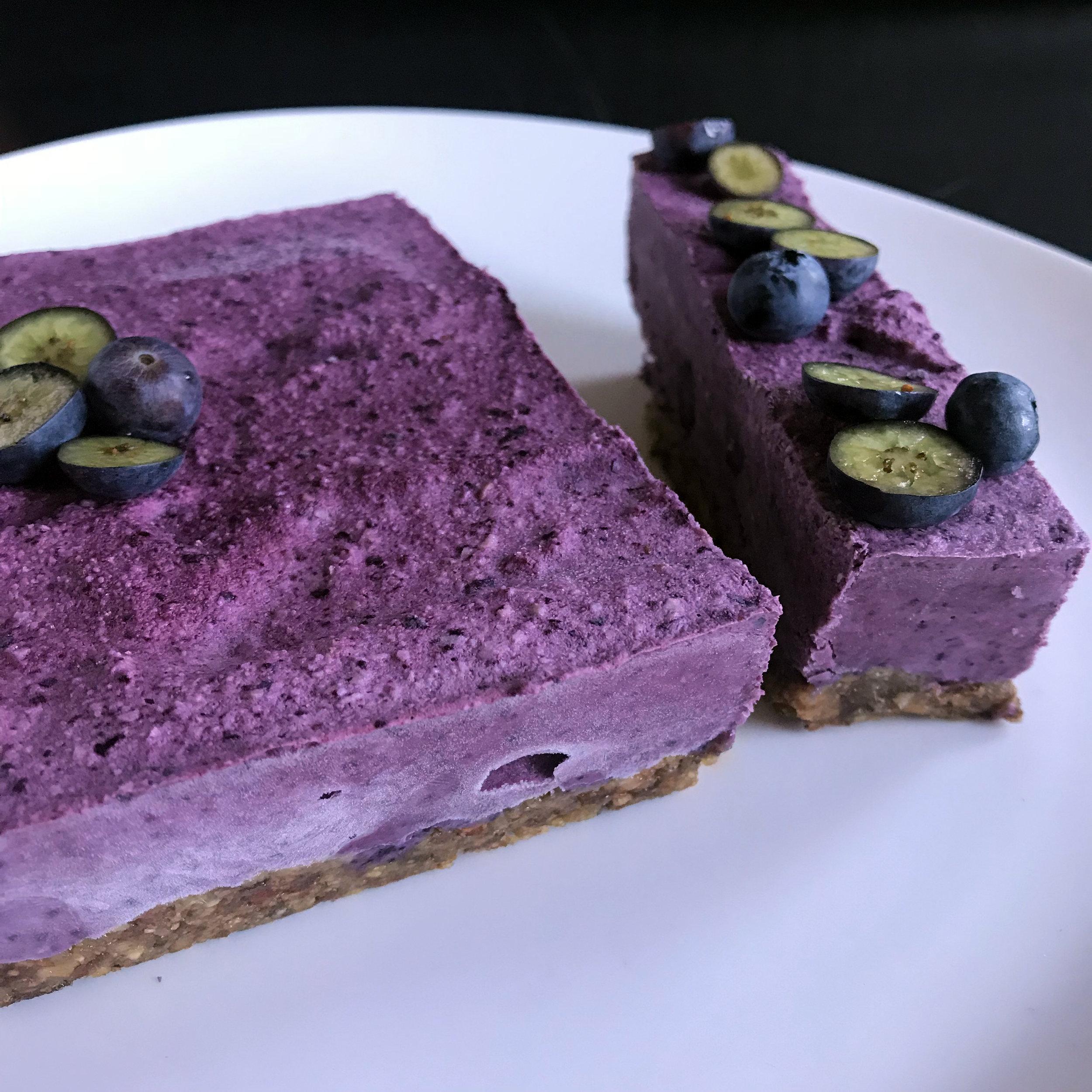 Blueberry cake 3.jpg