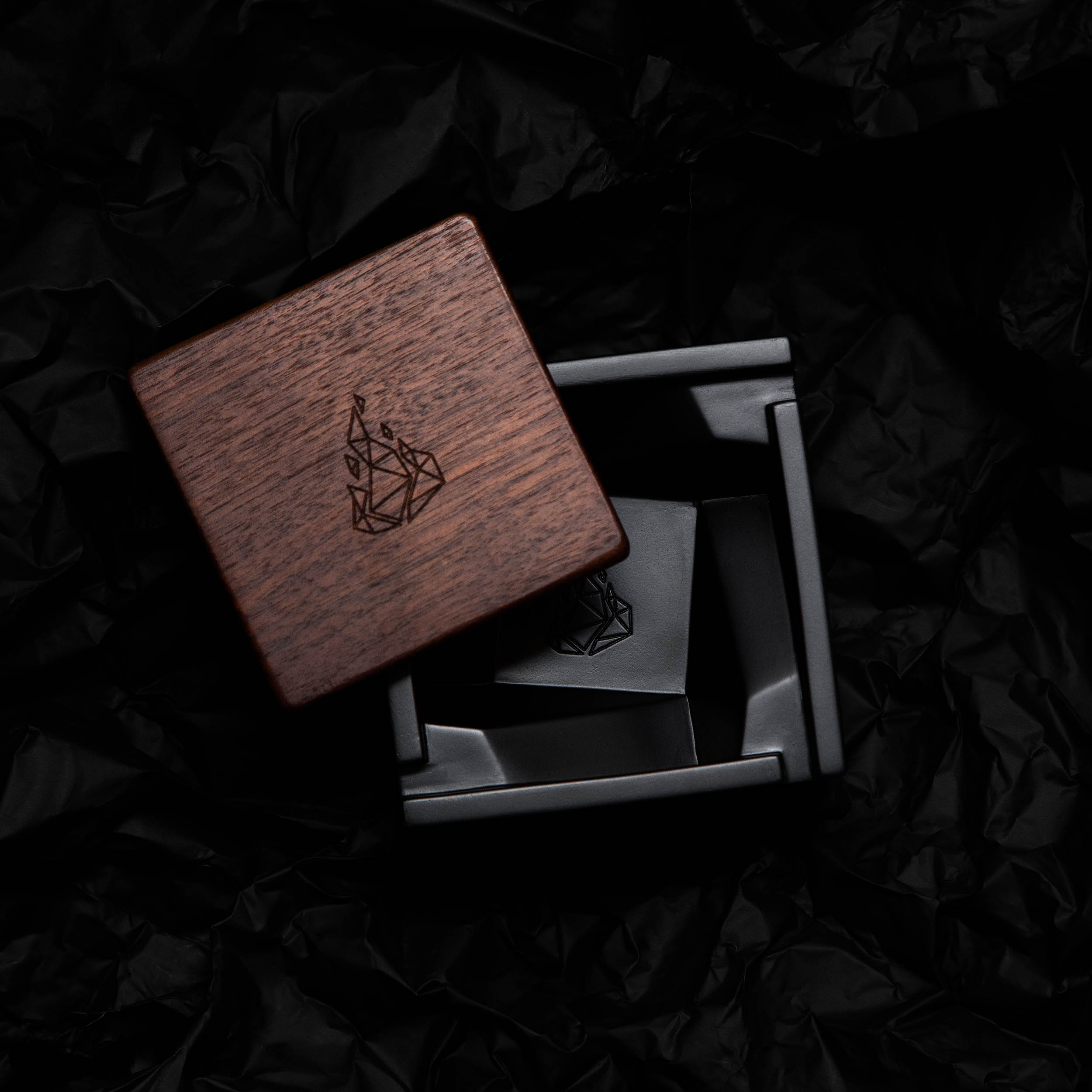 Dark minimal product photogarphy for BRNT of Briq ashtray