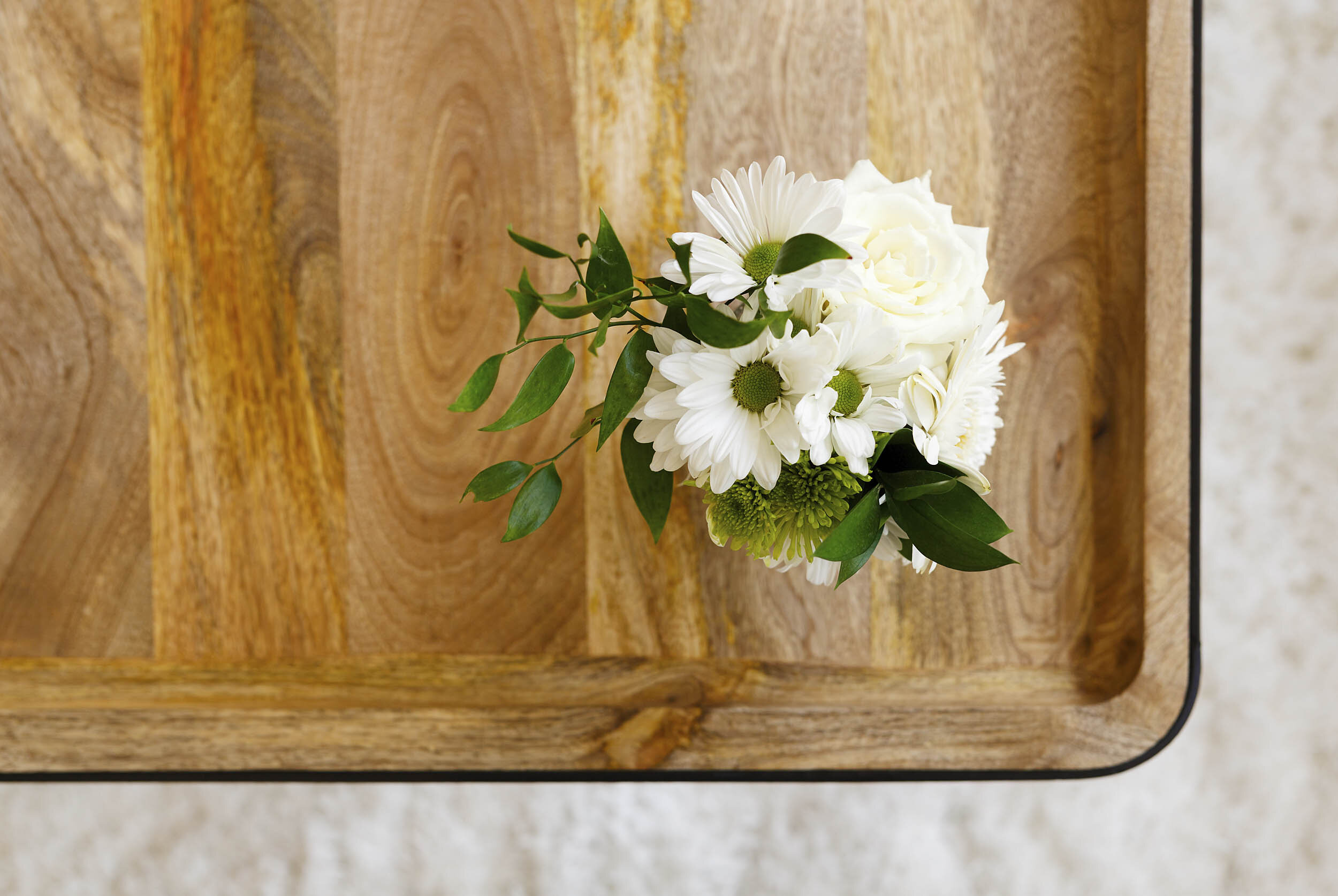 Interior Design Photos for Danielle Campbell Design Flowers Detail