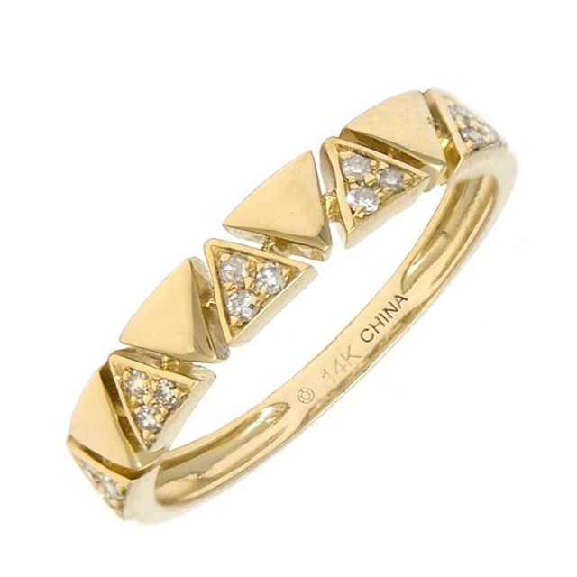 Golden band #shellybeckerdesigns #band #diamond