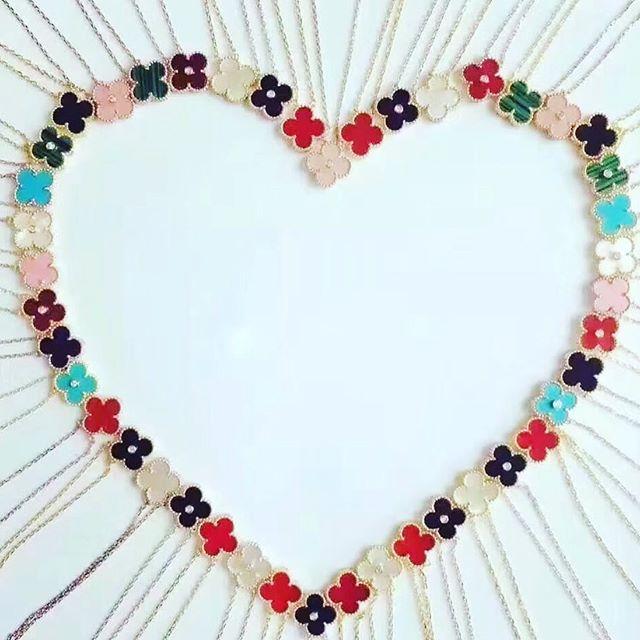 ❤️❤️❤️#shellybeckerdesigns #love #pendants #flowers