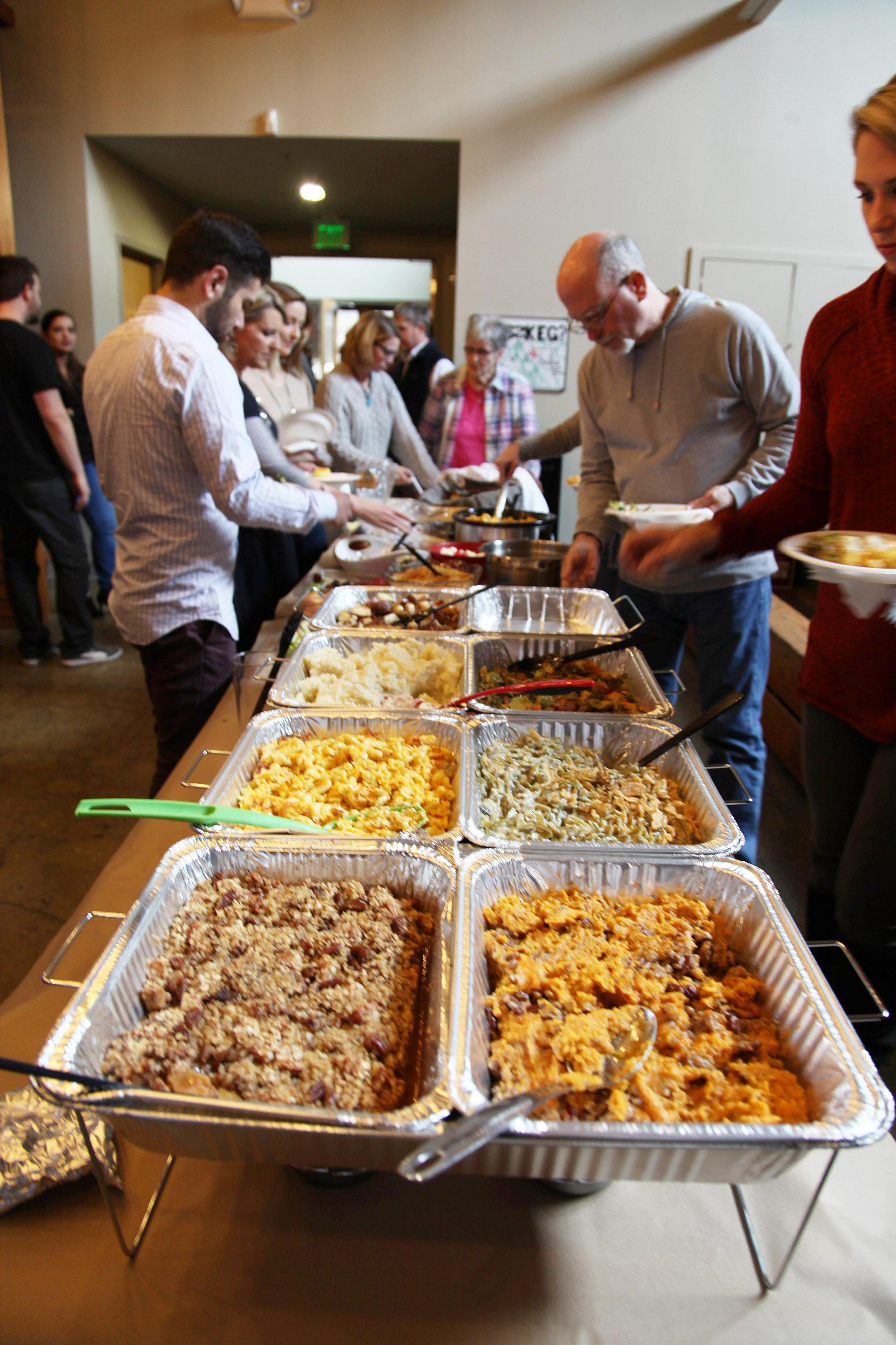 Thanksgiving Potluck 2017 (7).JPG