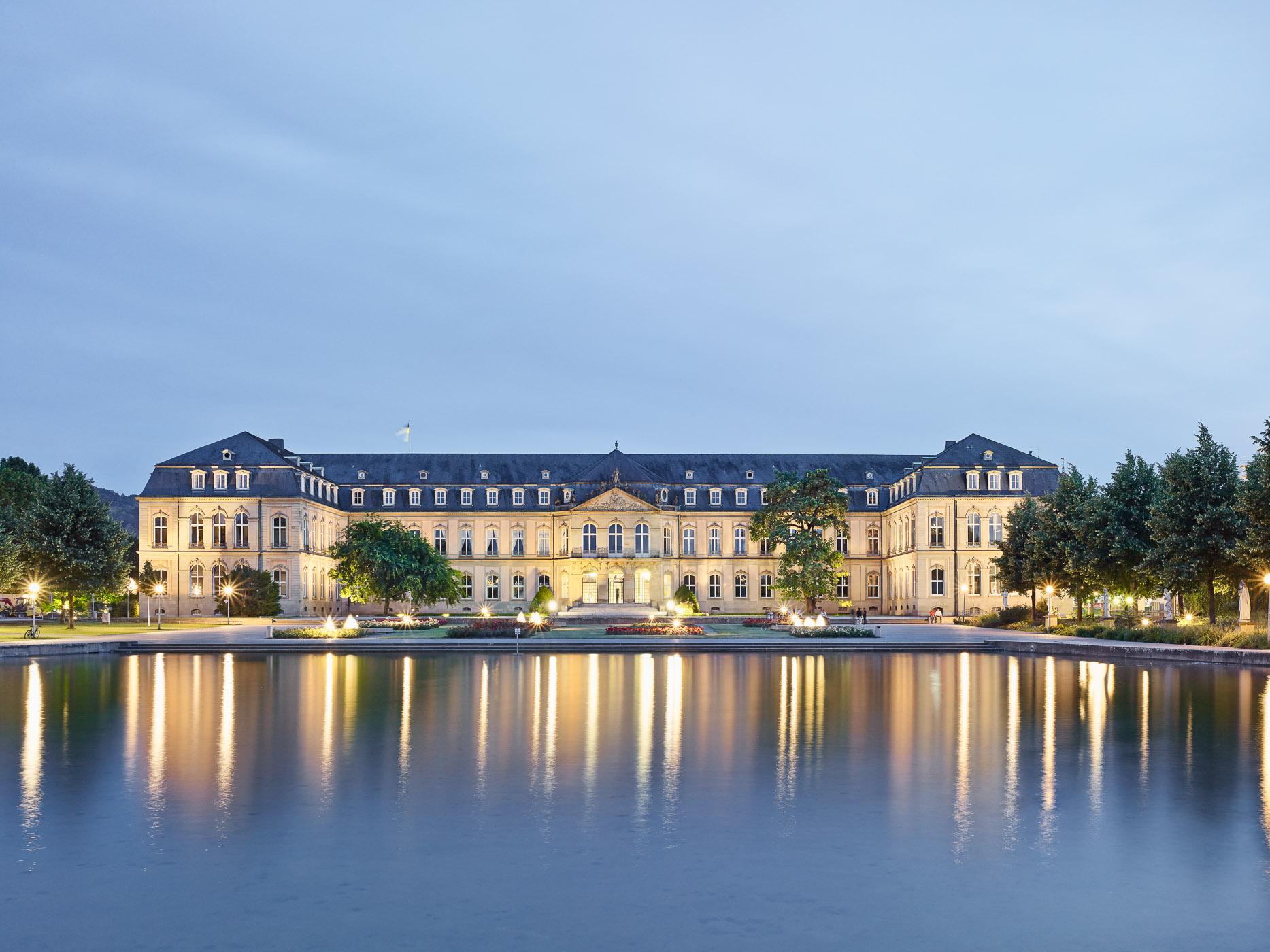 012-Neues-Schloss_4.jpg