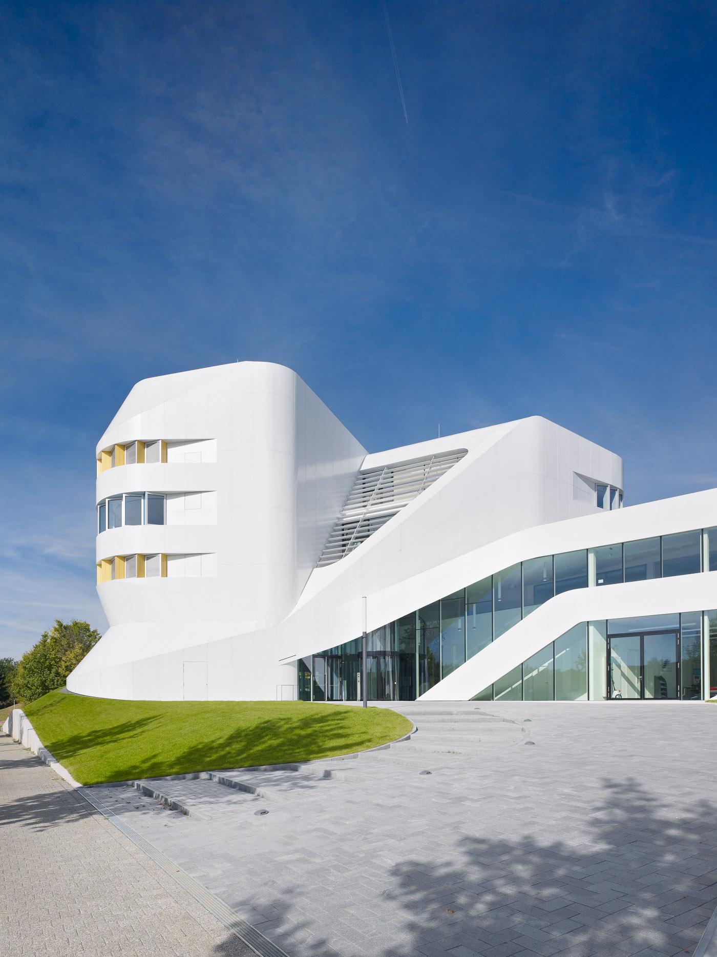 015-Fraunhofer-Institut-ZVE-Stuttgrt-003.jpg