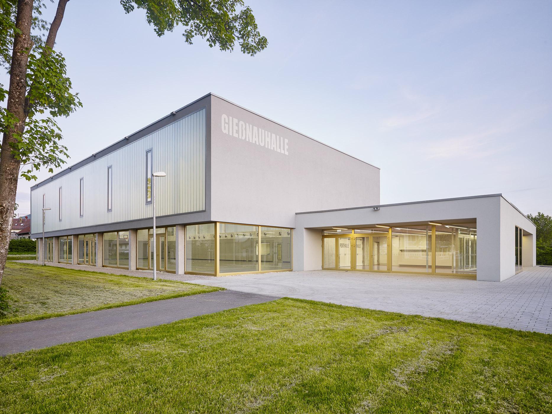 020-Sporthalle-Nabern_aussen_007.jpg