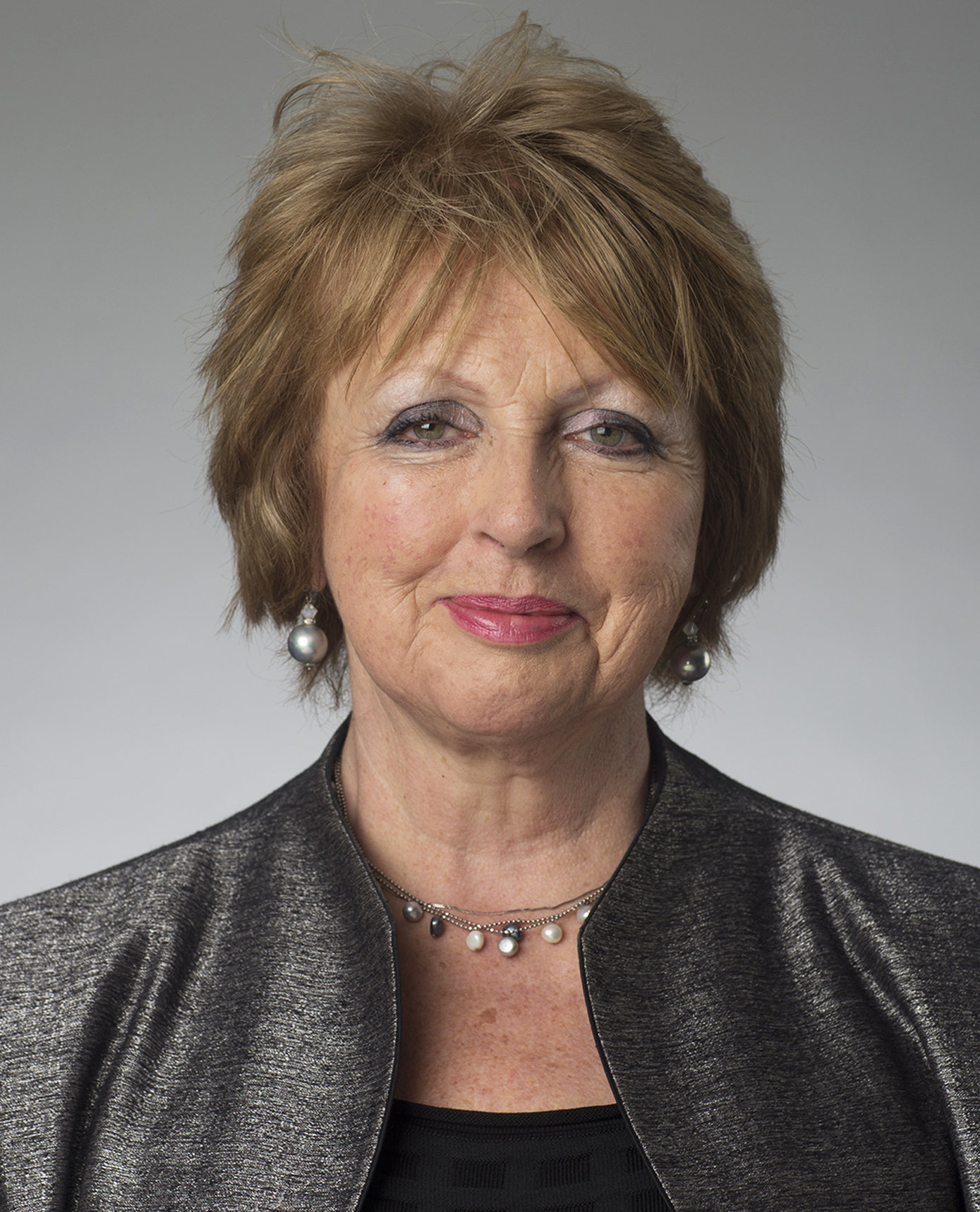 Janet Rubin    Janet really enjoys coaching individuals who are going through career transition or who want to develop their roles or get promoted in organisations.