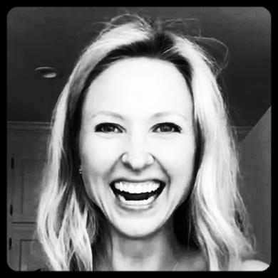 Leah Muhlenfeld | Marketer | Brand Strategist | English Major Music