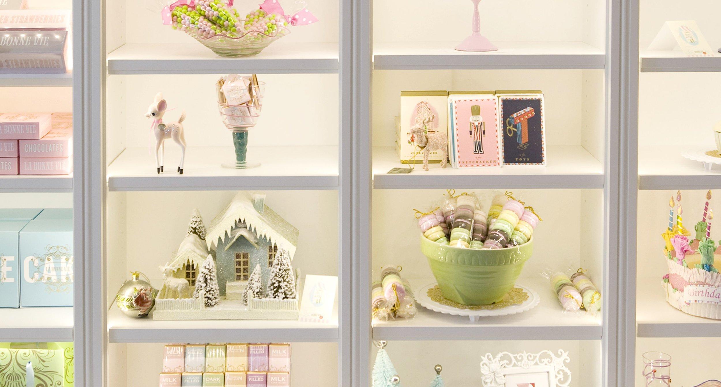 La Bonne Vie Decorated Shelves