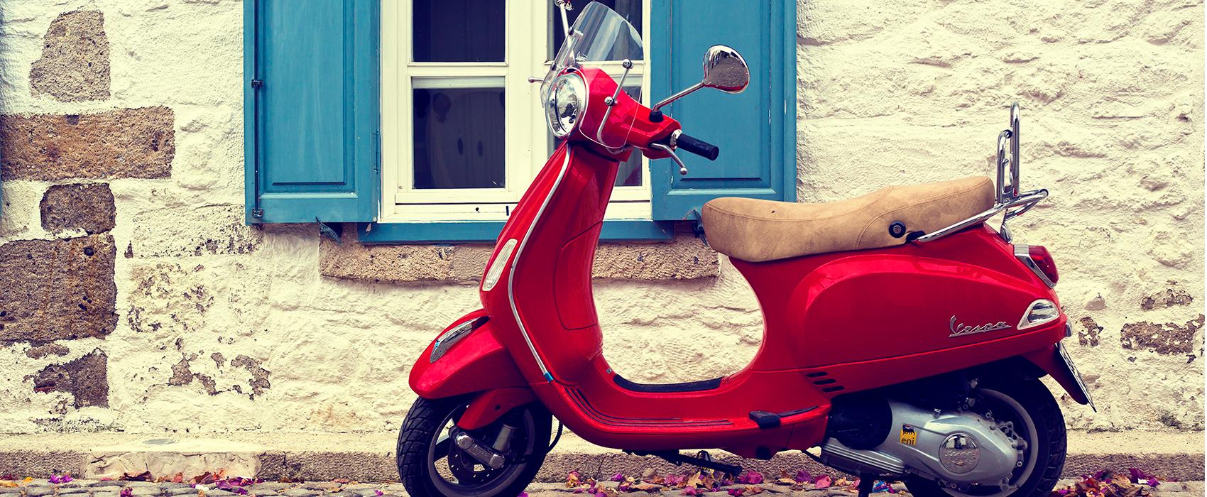 A vespa available on the custom Italian honeymoon we offer!