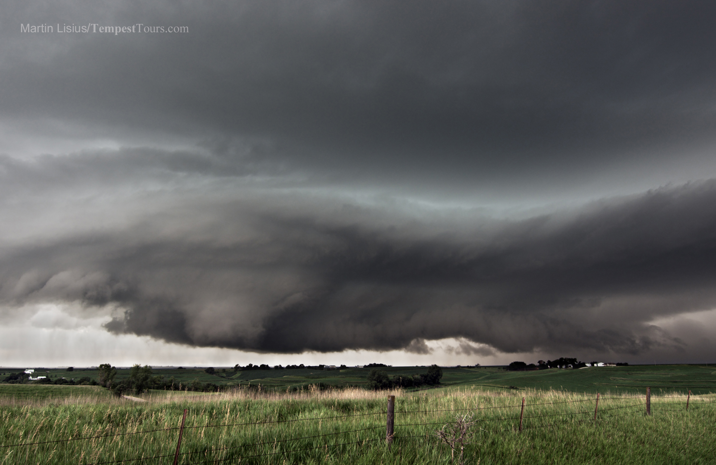 Copyright_Tempest_Tours_Storm_Chasing_Expeditions_April Iowa_supercell_over_farm_copyright_Martin_Lisius_StormStock 2 copy.jpg