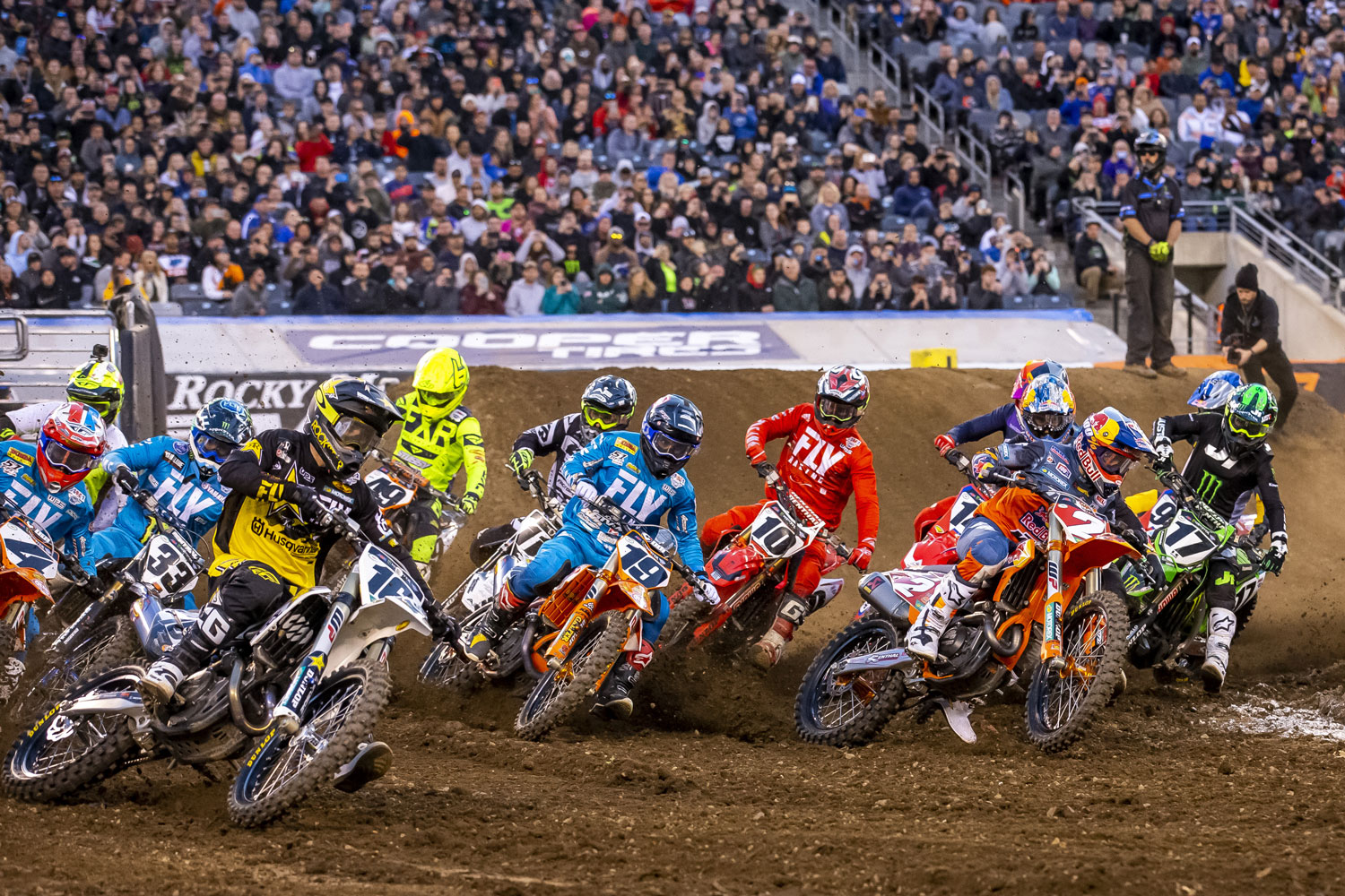START_2019_EAST-RUTHERFORD_SX_start-web.jpg